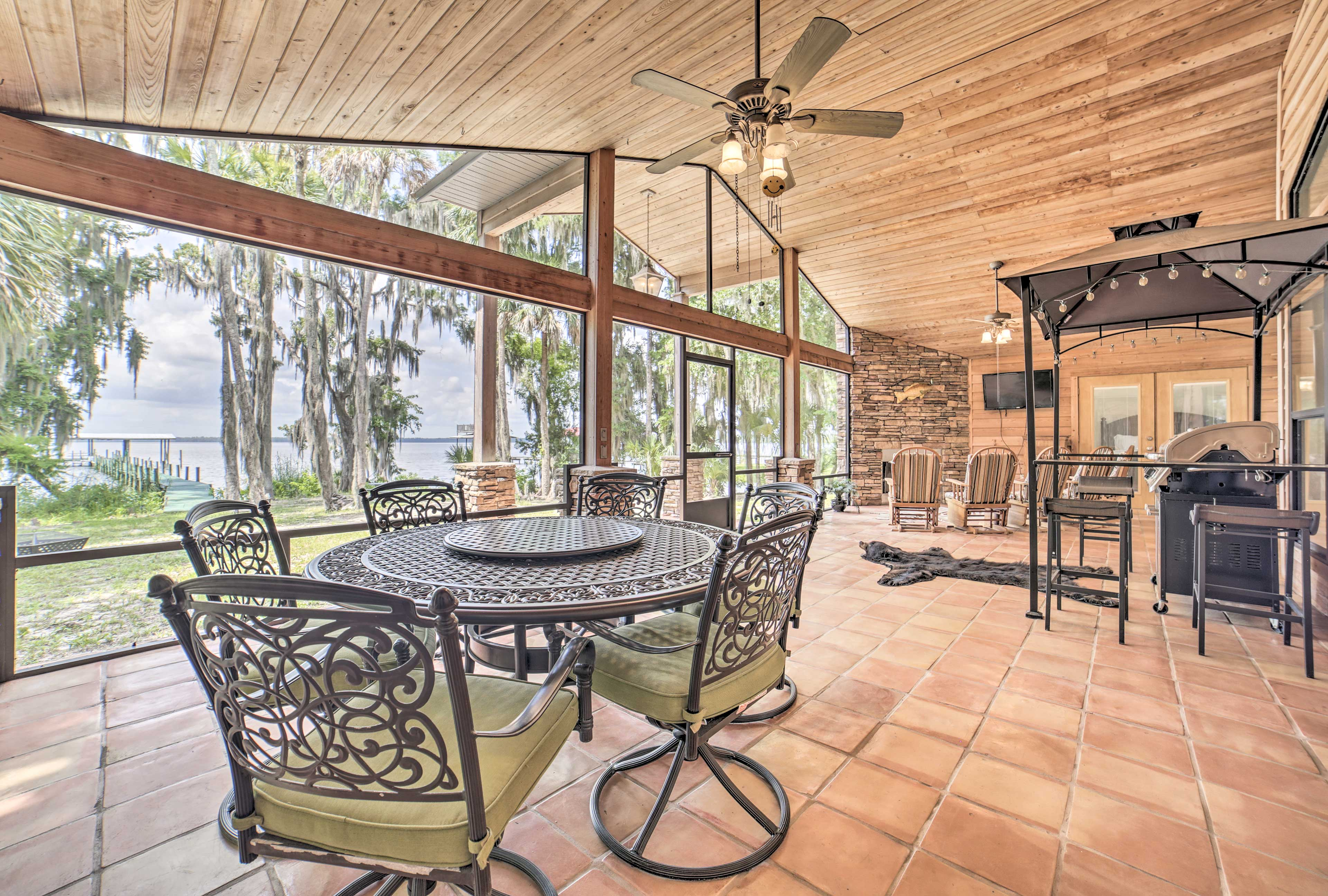 Time here is best spent on the screened-in patio!