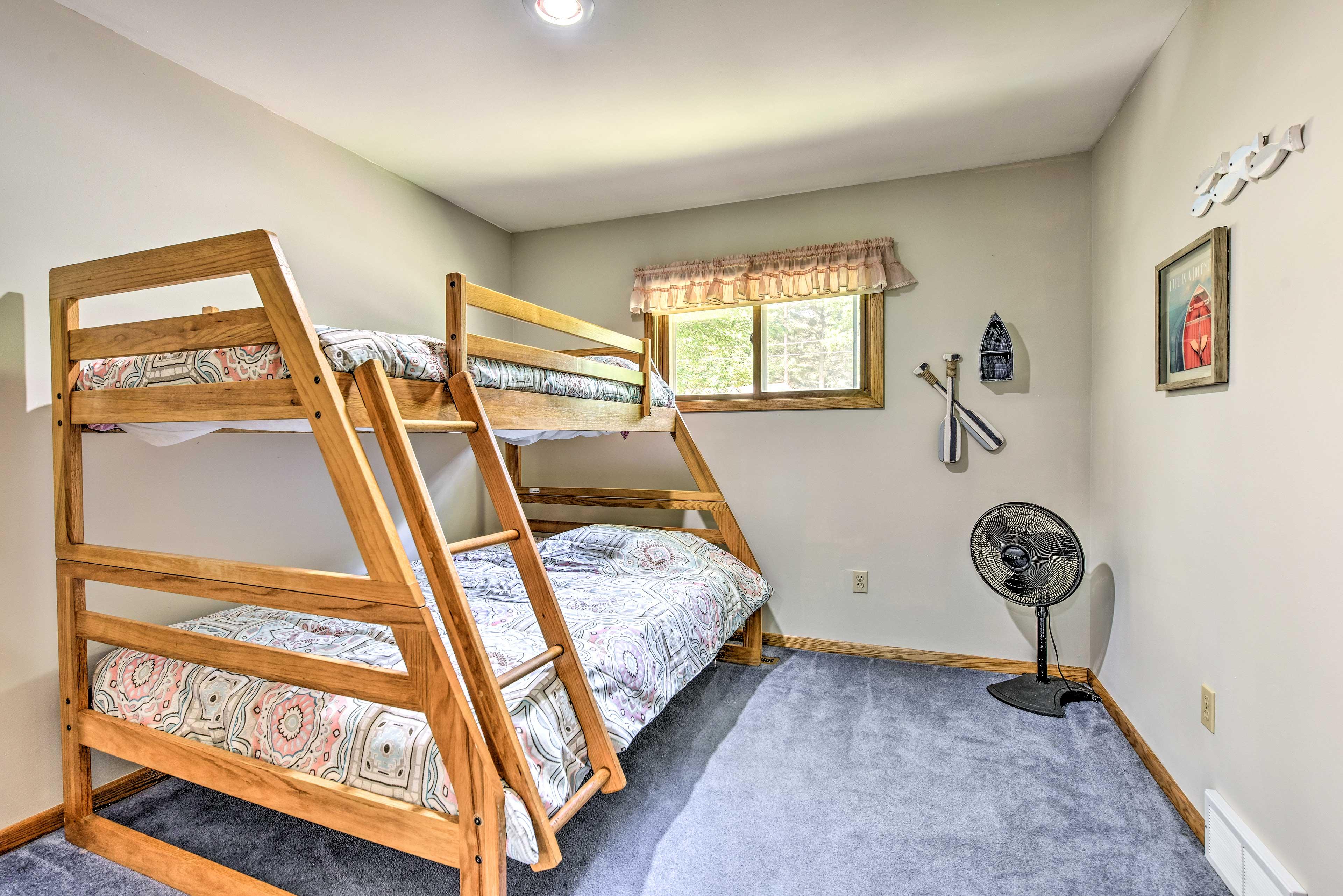 This room sleeps 3.