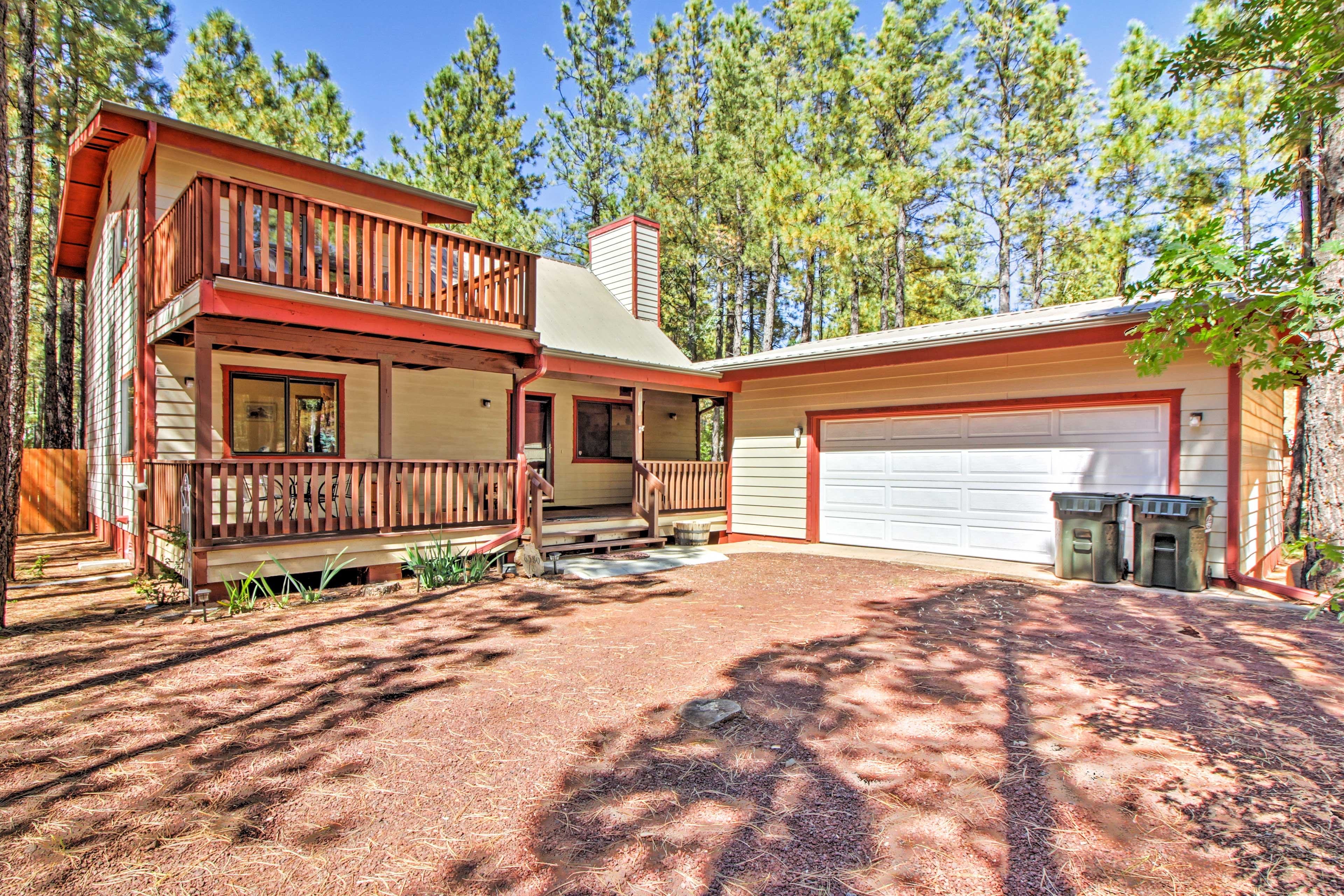 The outdoor-friendly vacation rental features an enclosed yard!