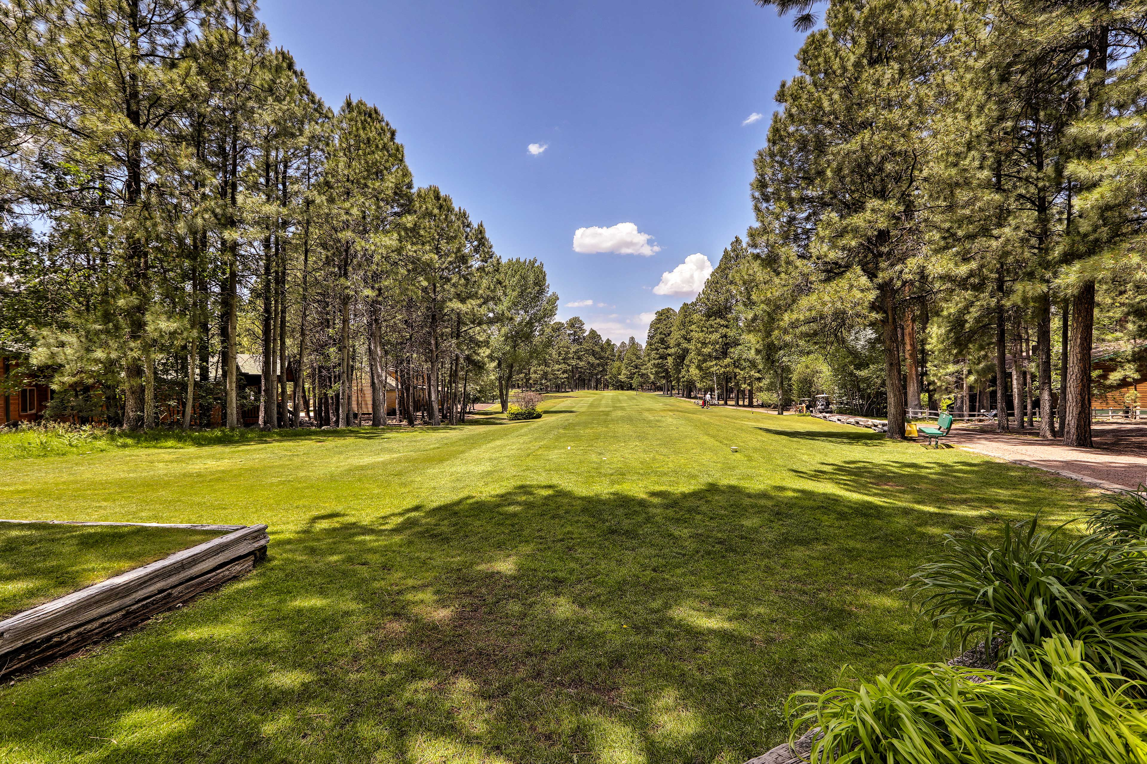 For an additional fee, you can access the Pinetop Lake Country Club amenities.