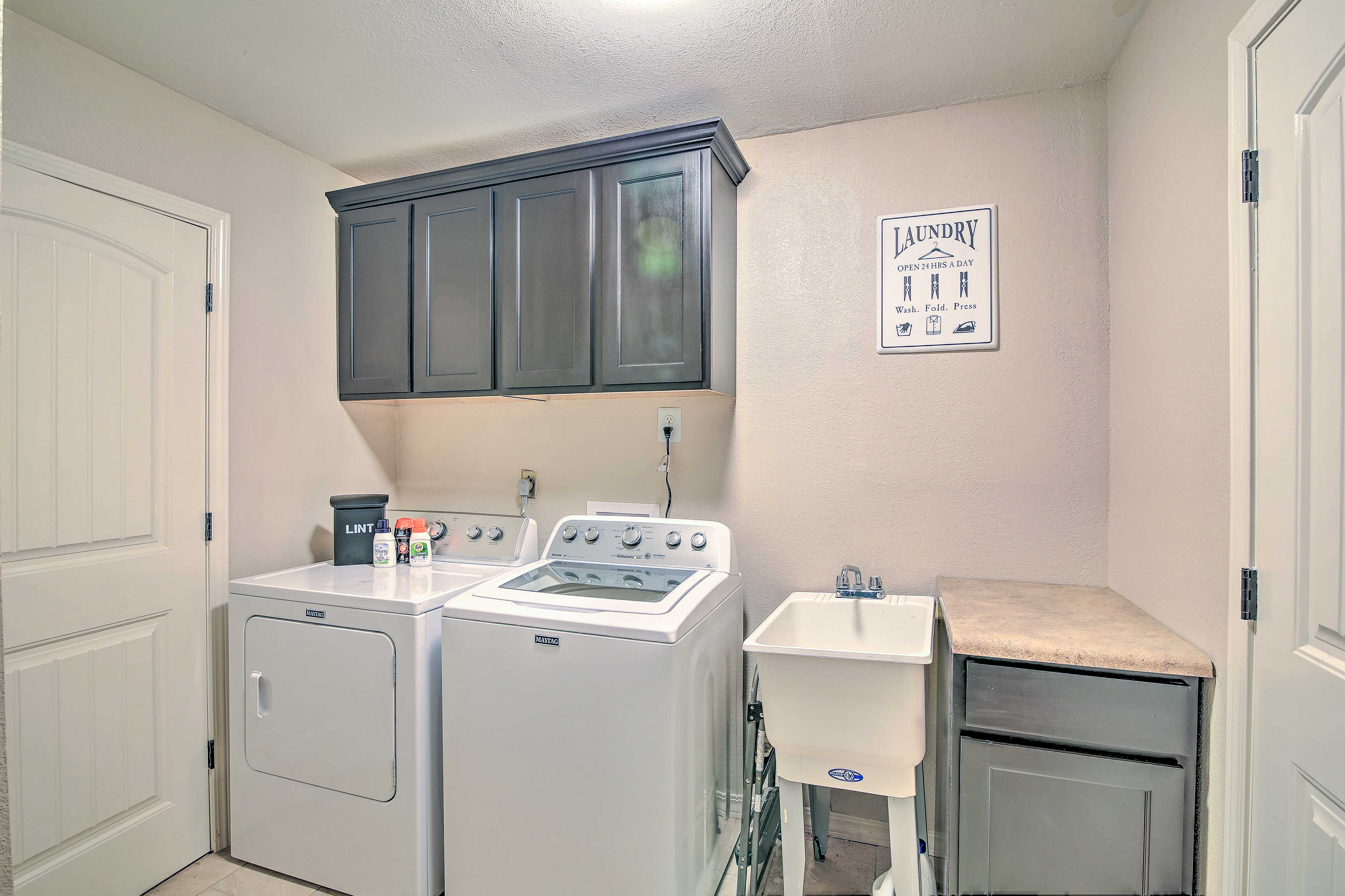 No need to over-pack with in-unit laundry machines!