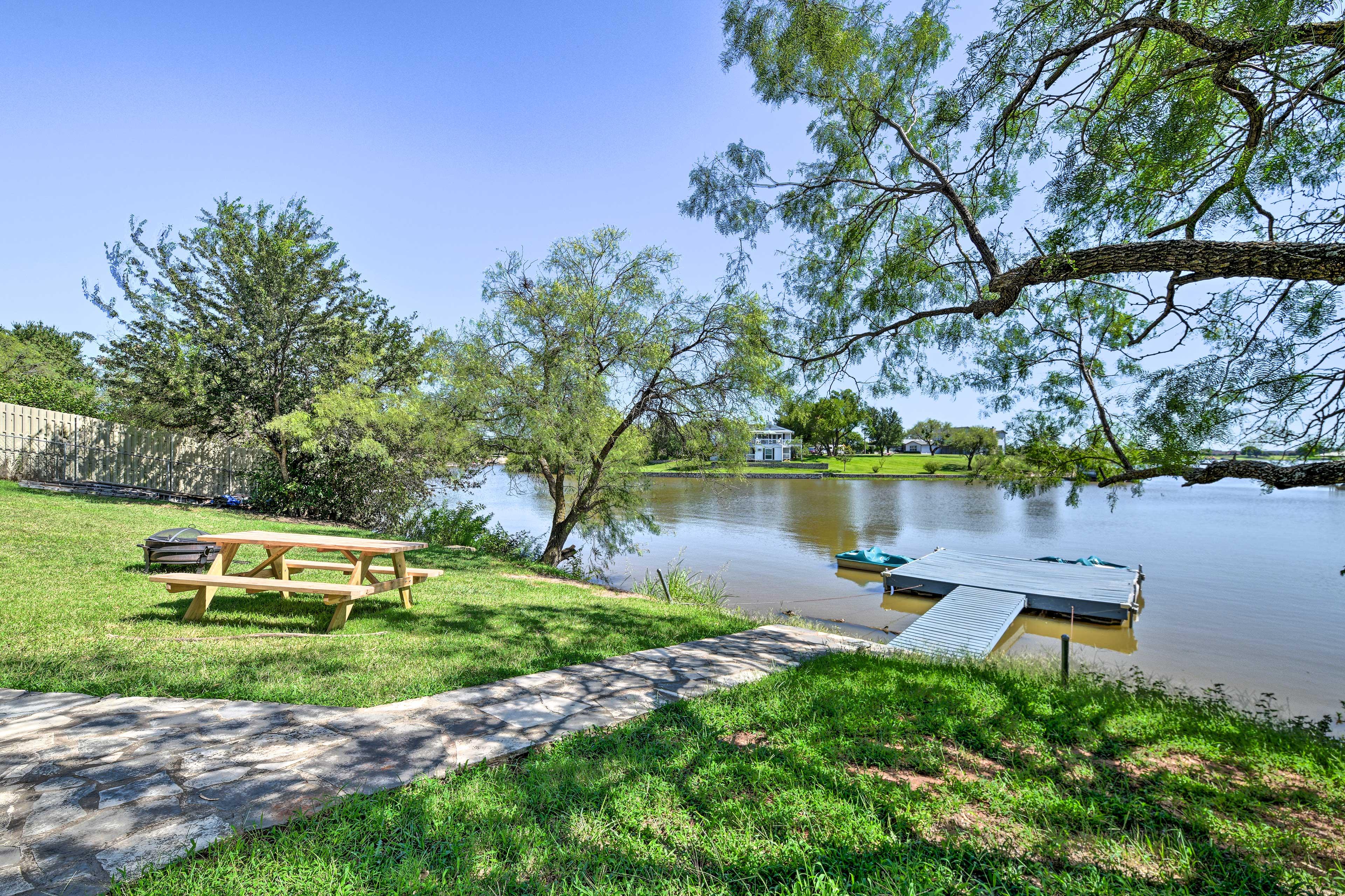 Granbury Lake Vacation Rental | 4BR | 2.5BA | 2 Stories | 2,980 Sq Ft