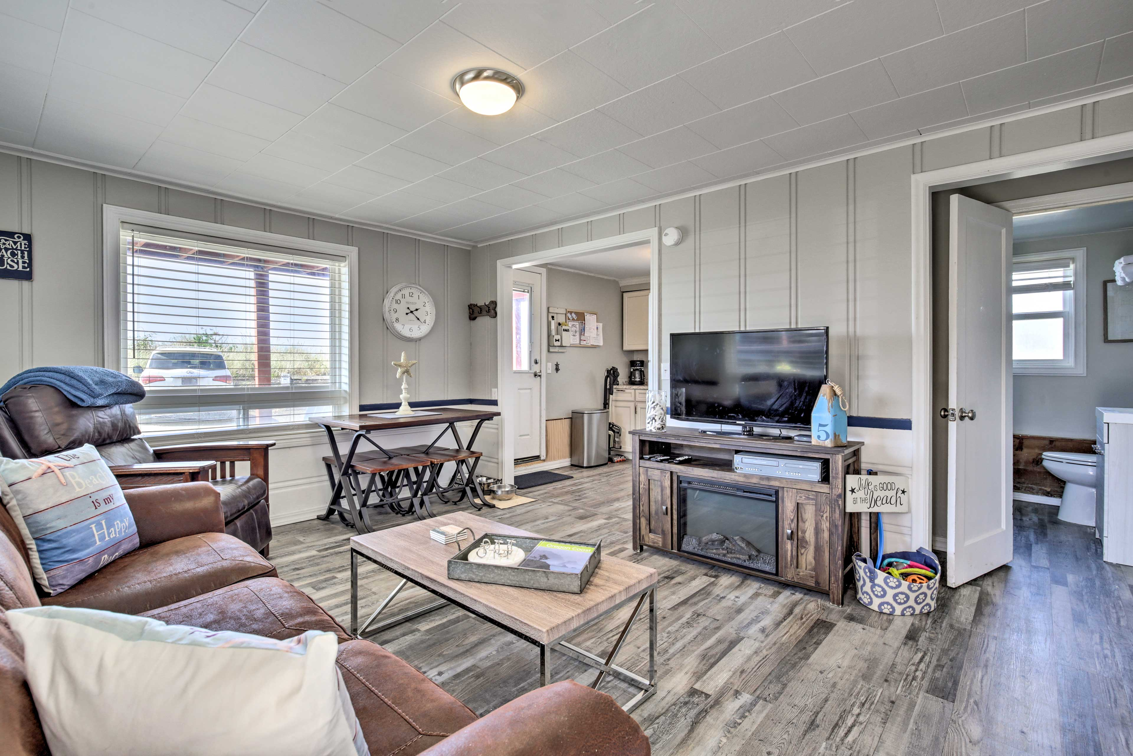 Let the ocean waves carry you to this Rockaway Beach vacation rental!