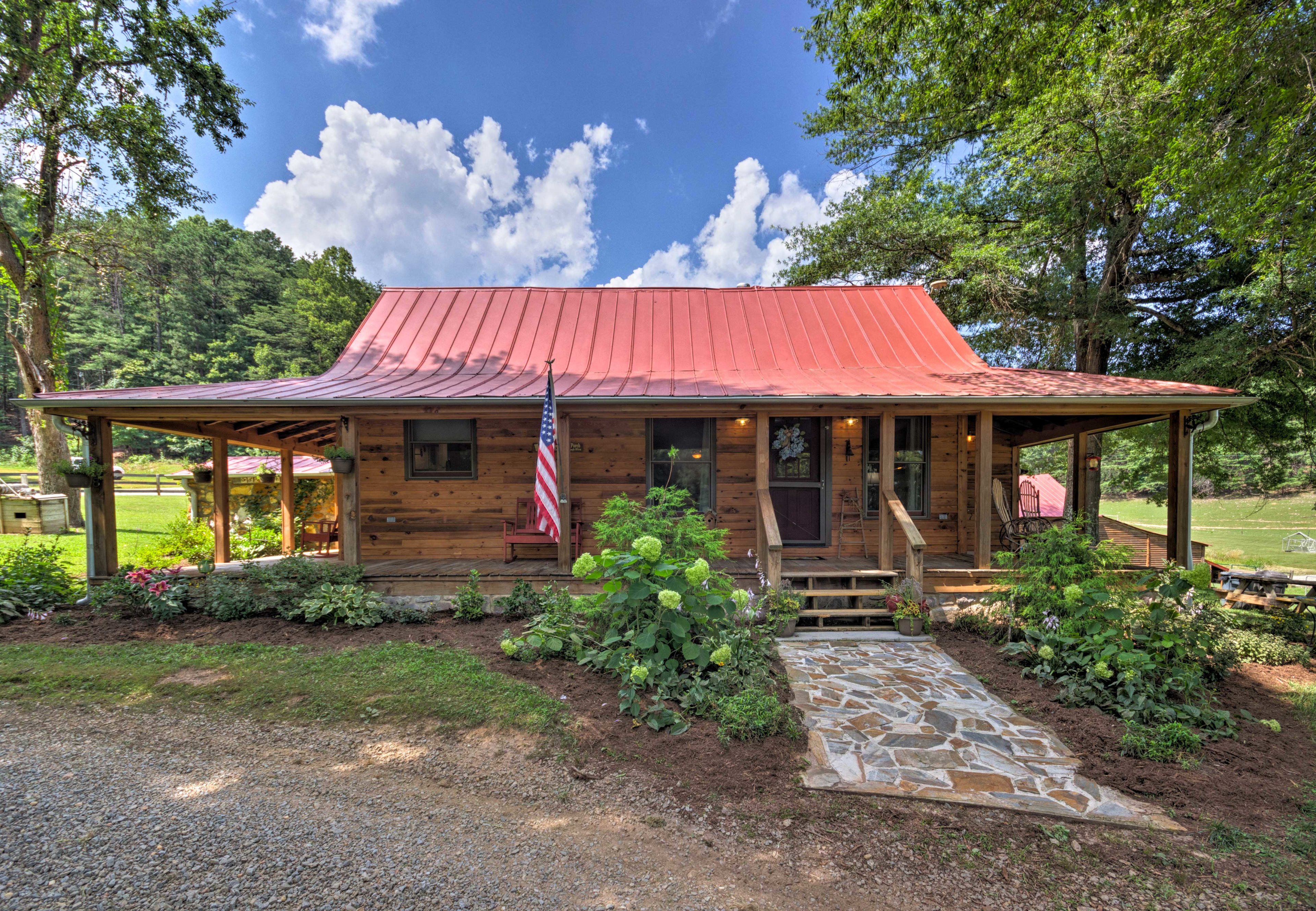 This newly renovated cabin provides luxury modern amenities.