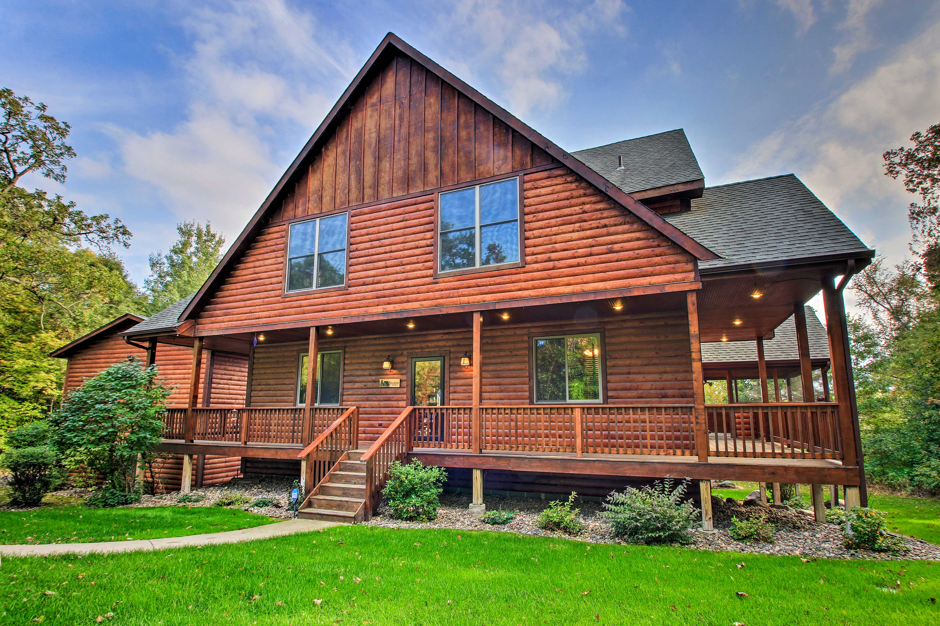 Situated right on Pelican Lake, this luxurious cabin offers a great getaway!