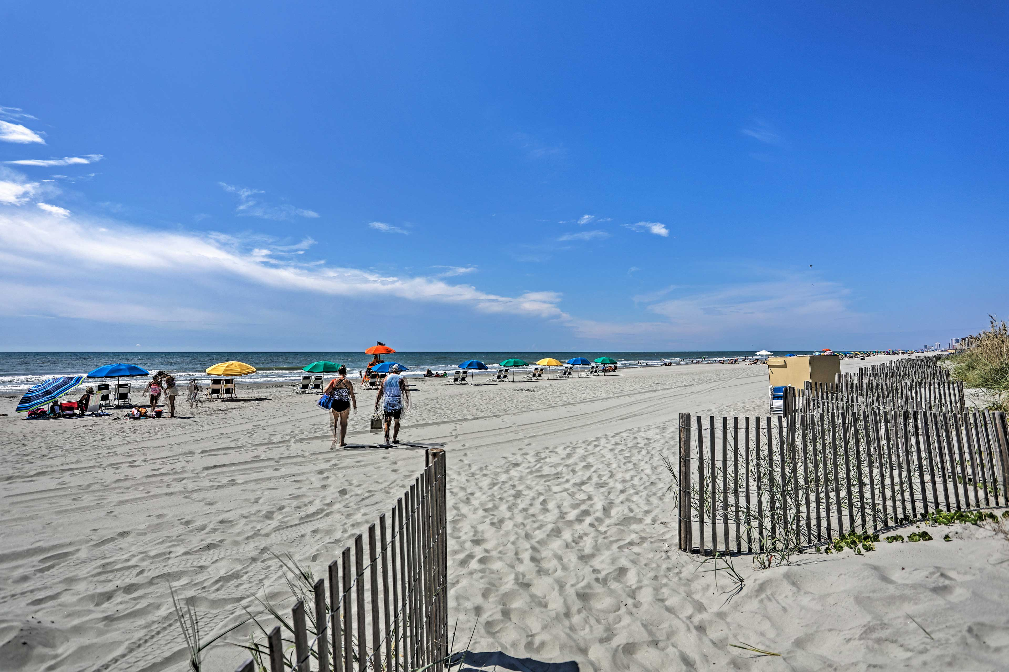 Walk to the beach with your towel and umbrella in hand!