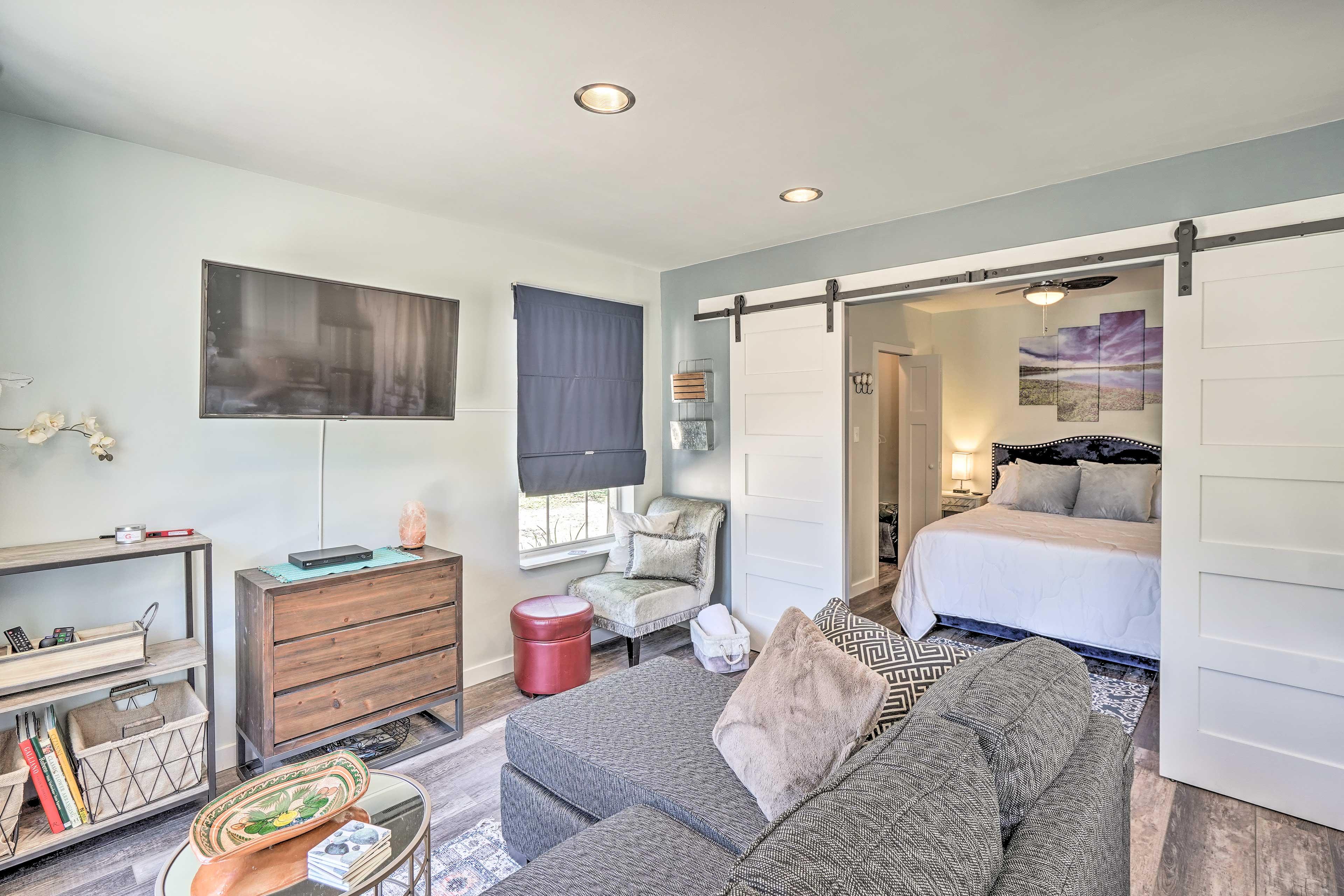Living Room   Wall-Unit A/C   TV