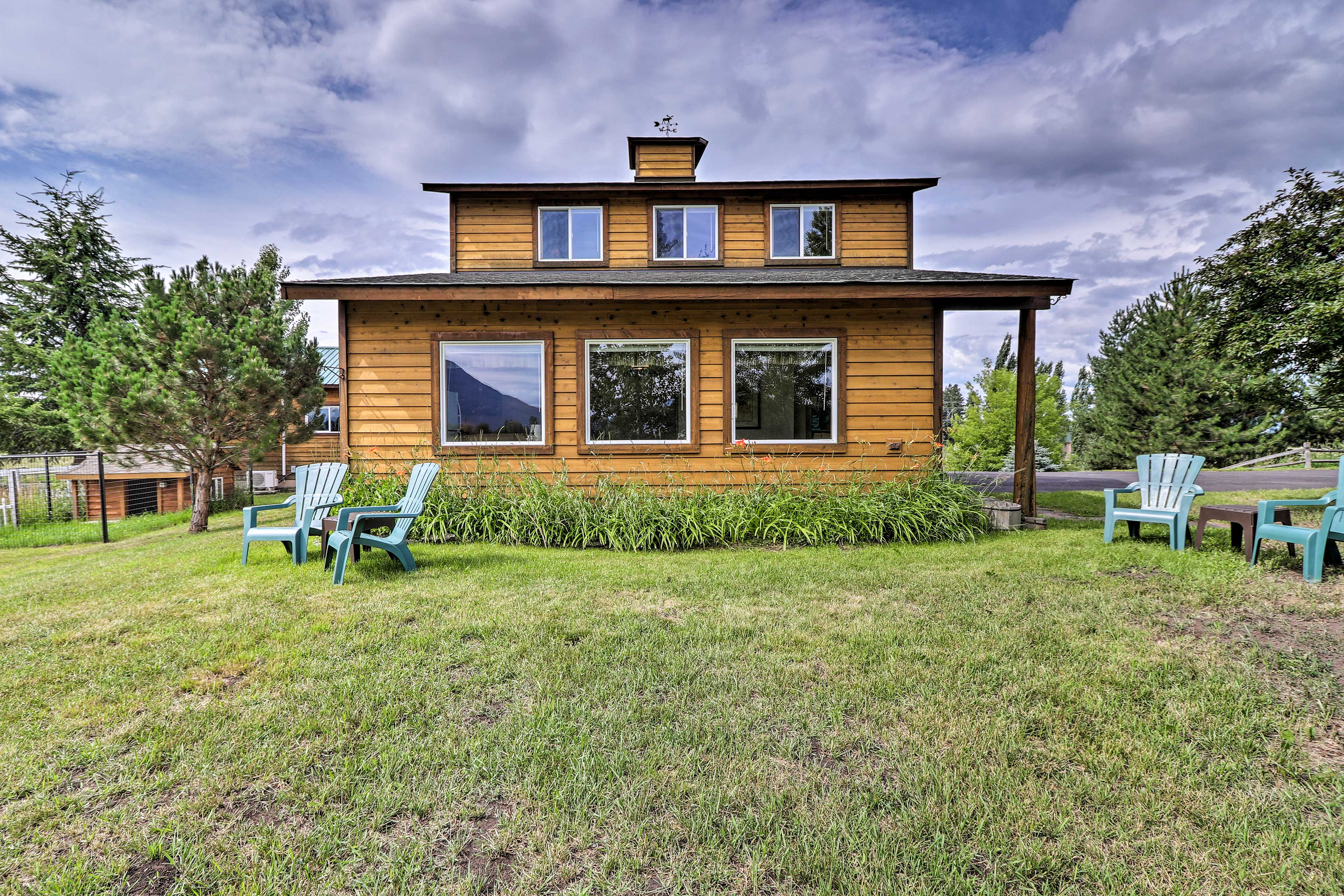 The 2-story studio cabin features 1 bedroom and 1 bathroom for 6 guests.