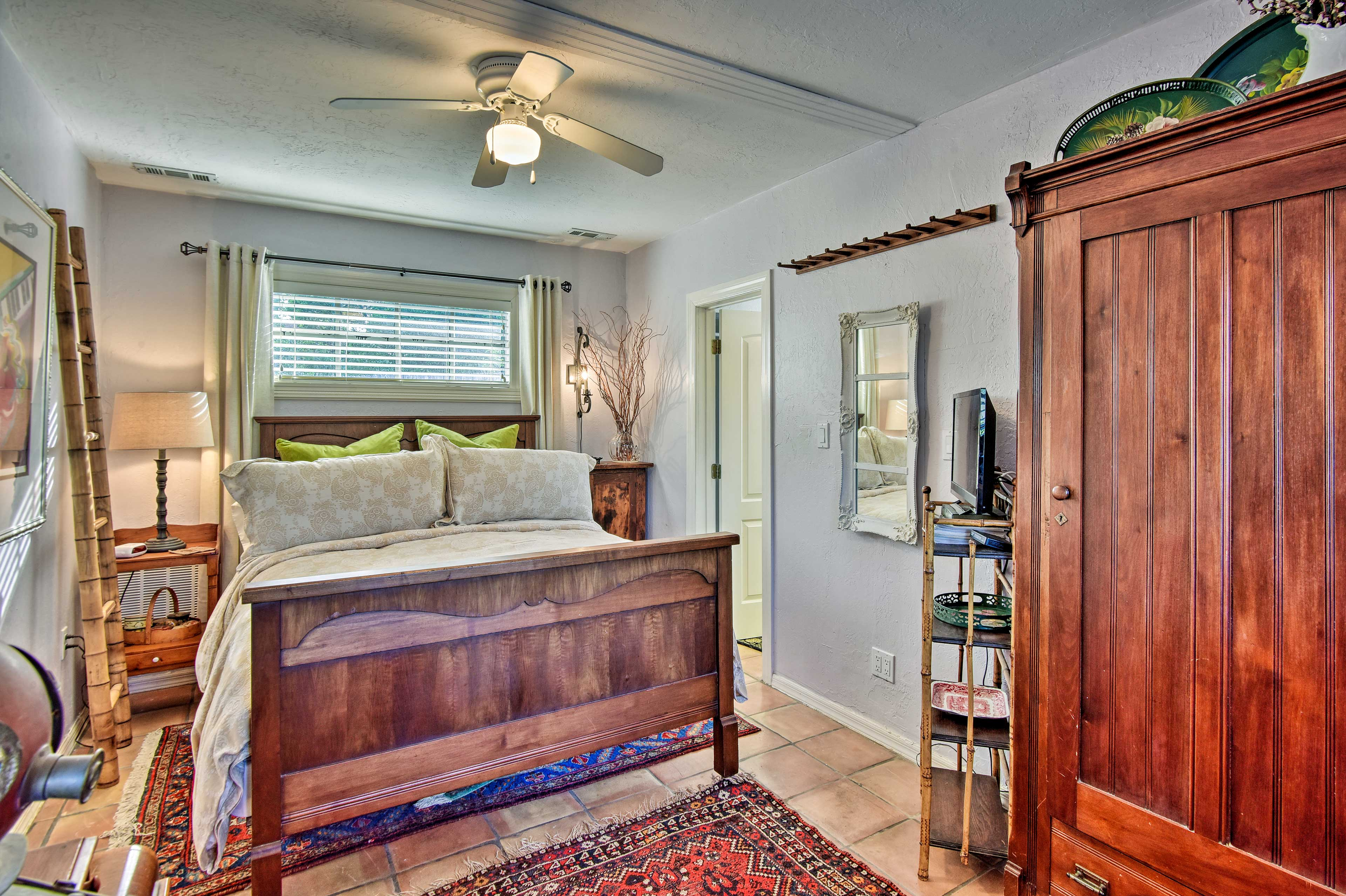 The home has 1 bedroom featuring a queen-sized bed.
