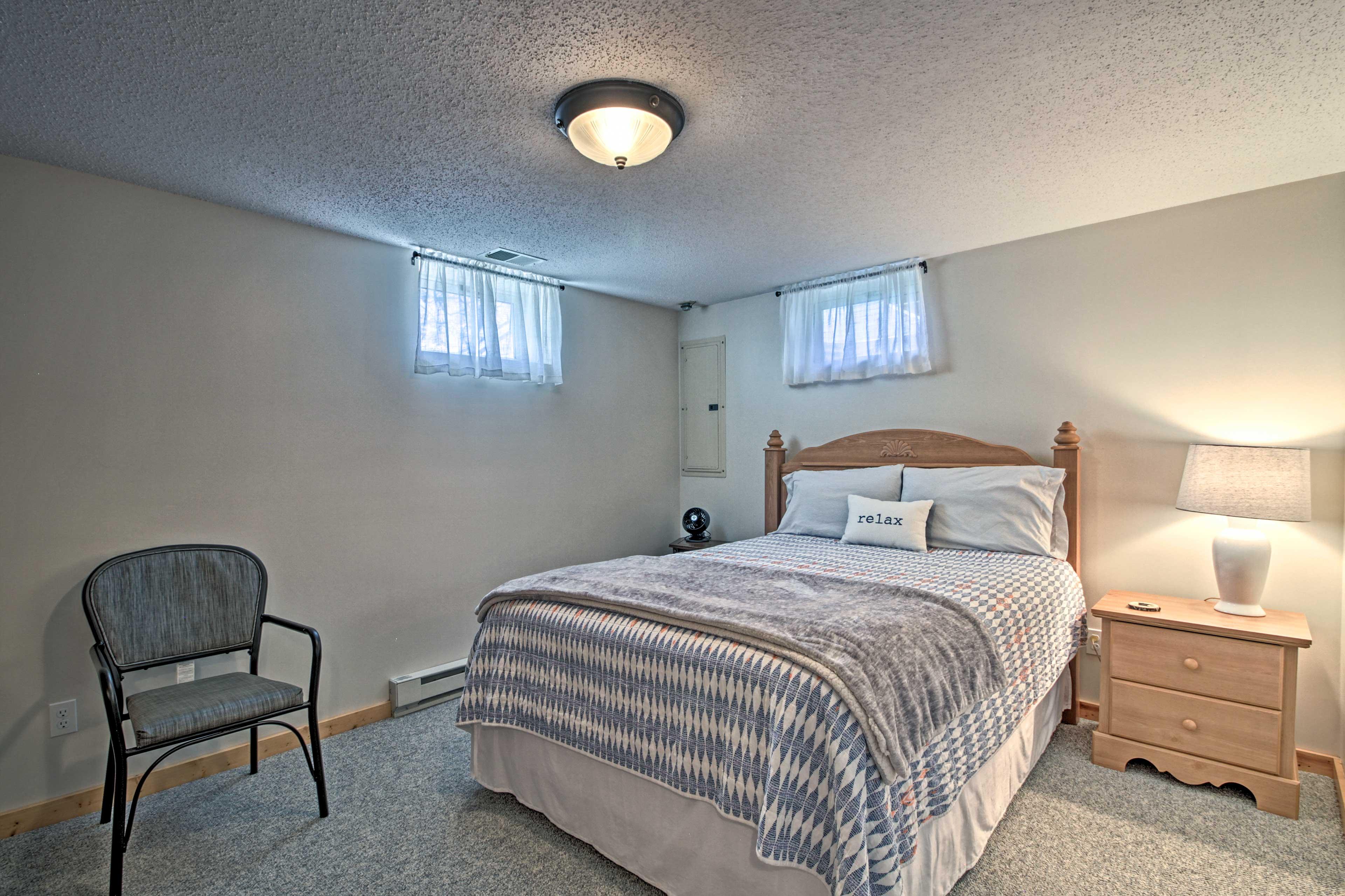 Bedroom 3   Queen Bed   Basement