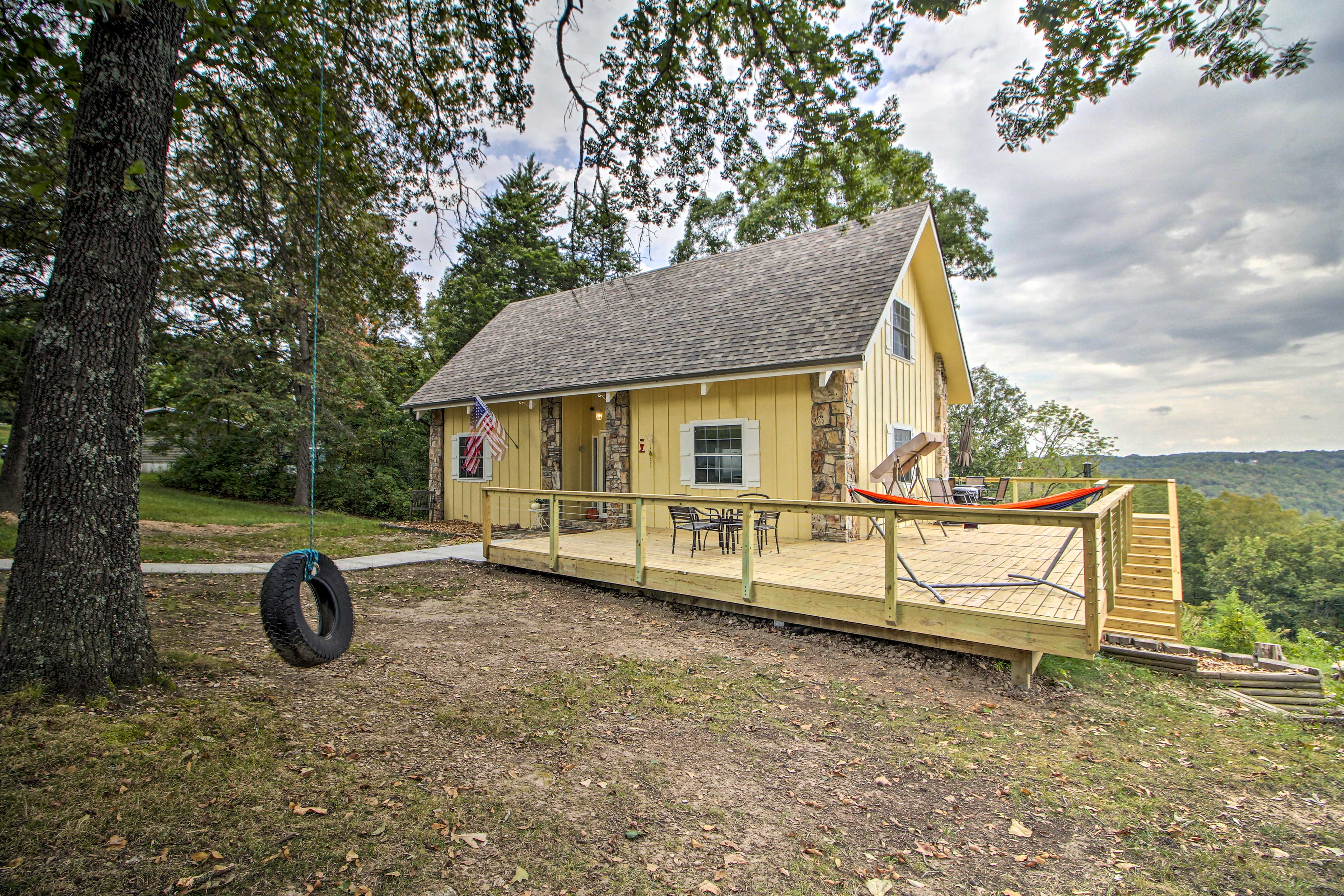 This cabin for 12 has 3 bedrooms and 3 bathrooms.