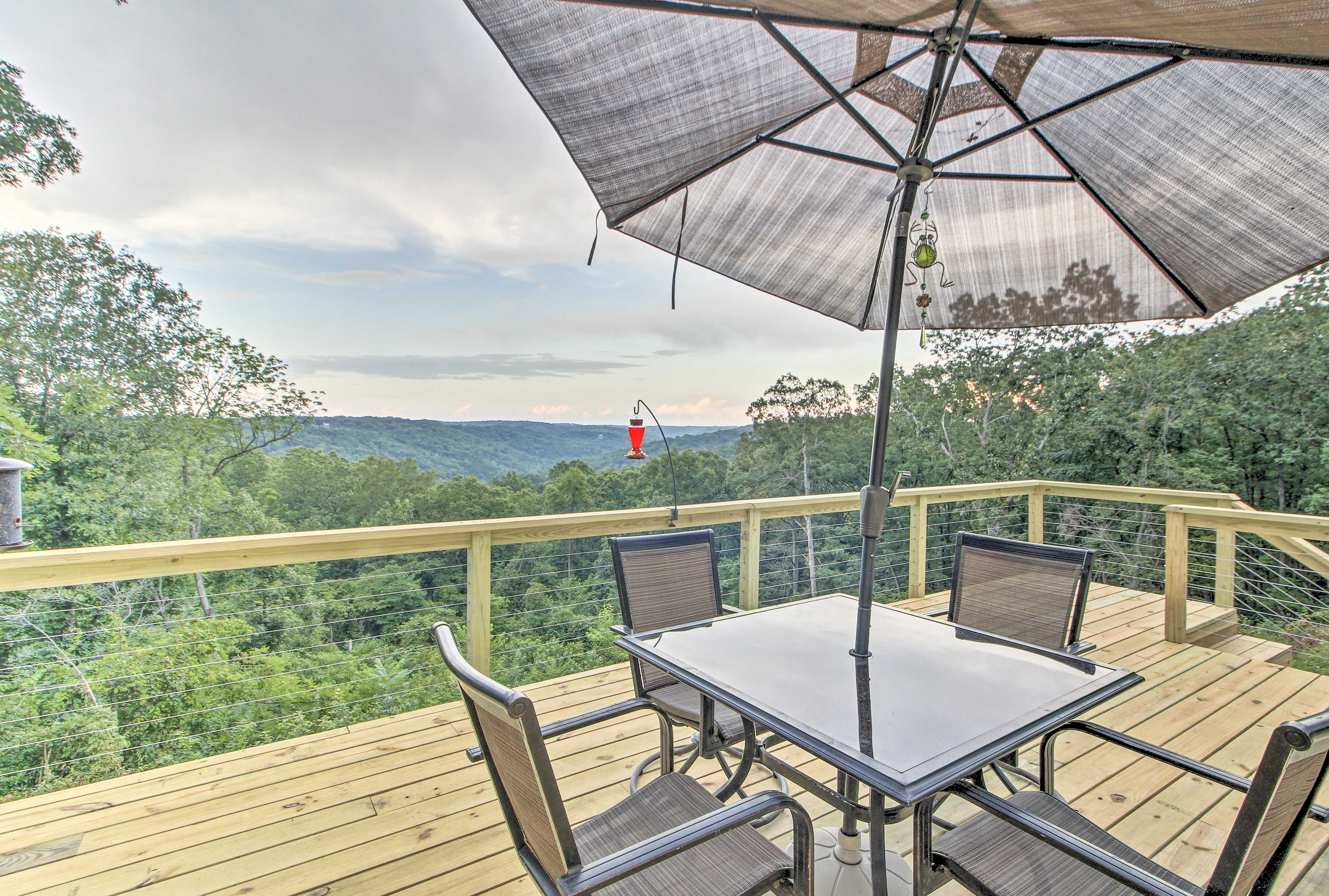 This 950-sq-ft deck provides spectacular views of the Branson area.