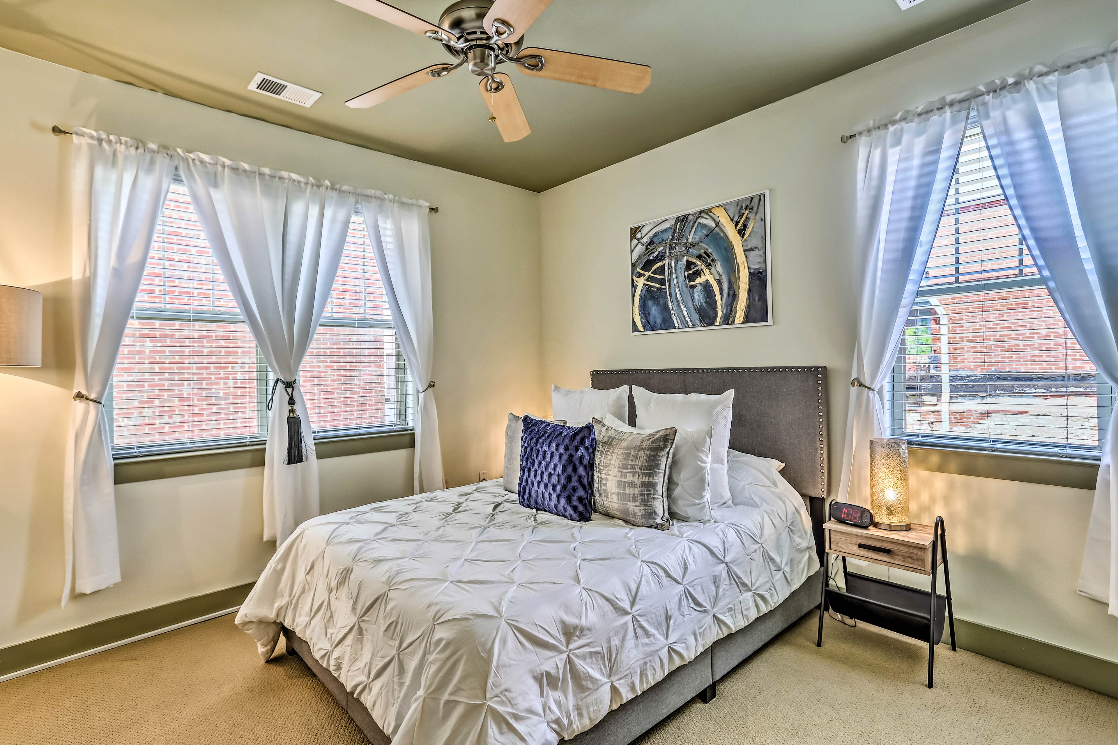 The master bedroom includes a queen bed for 2!