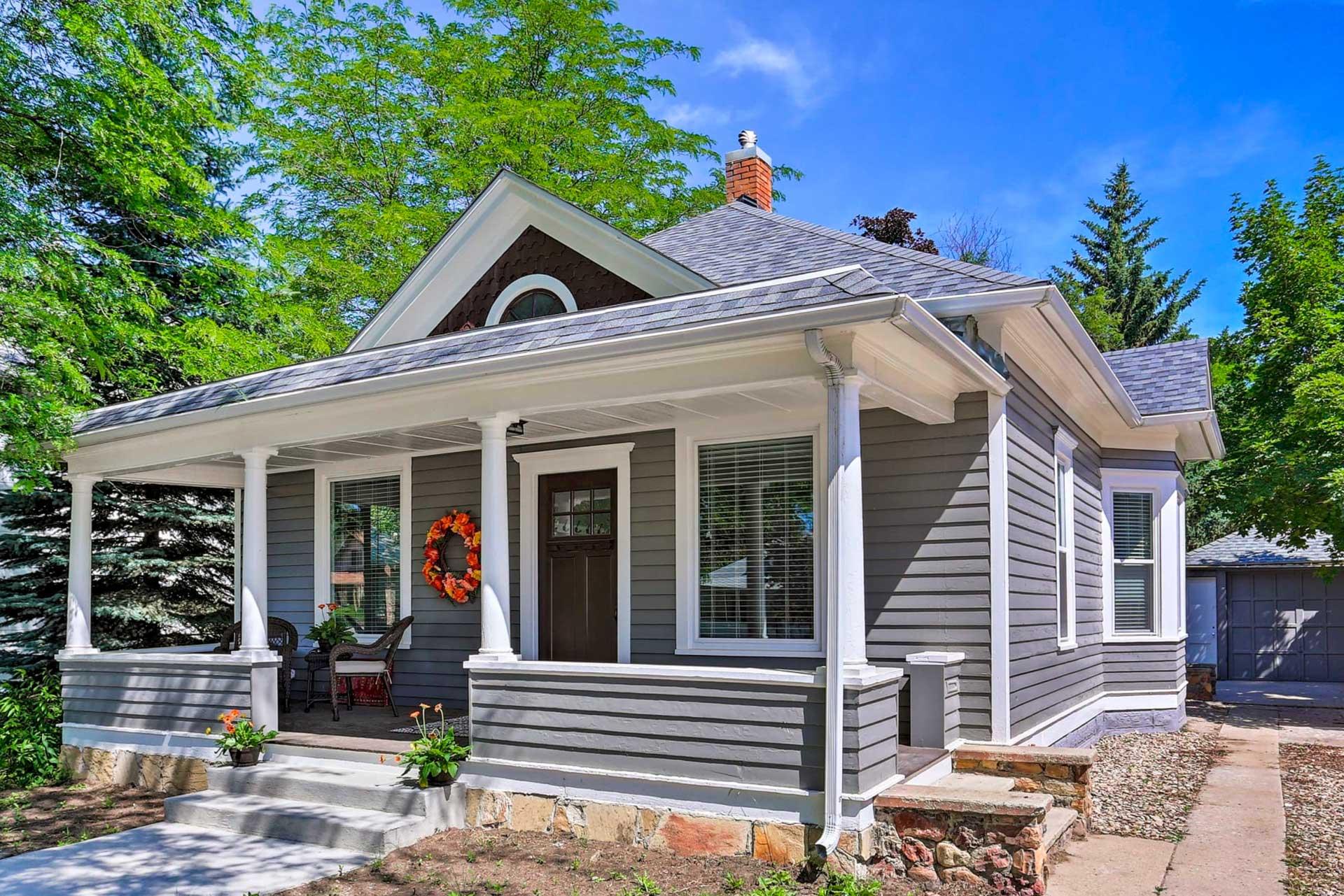 Property Exterior | 2 Steps to Enter