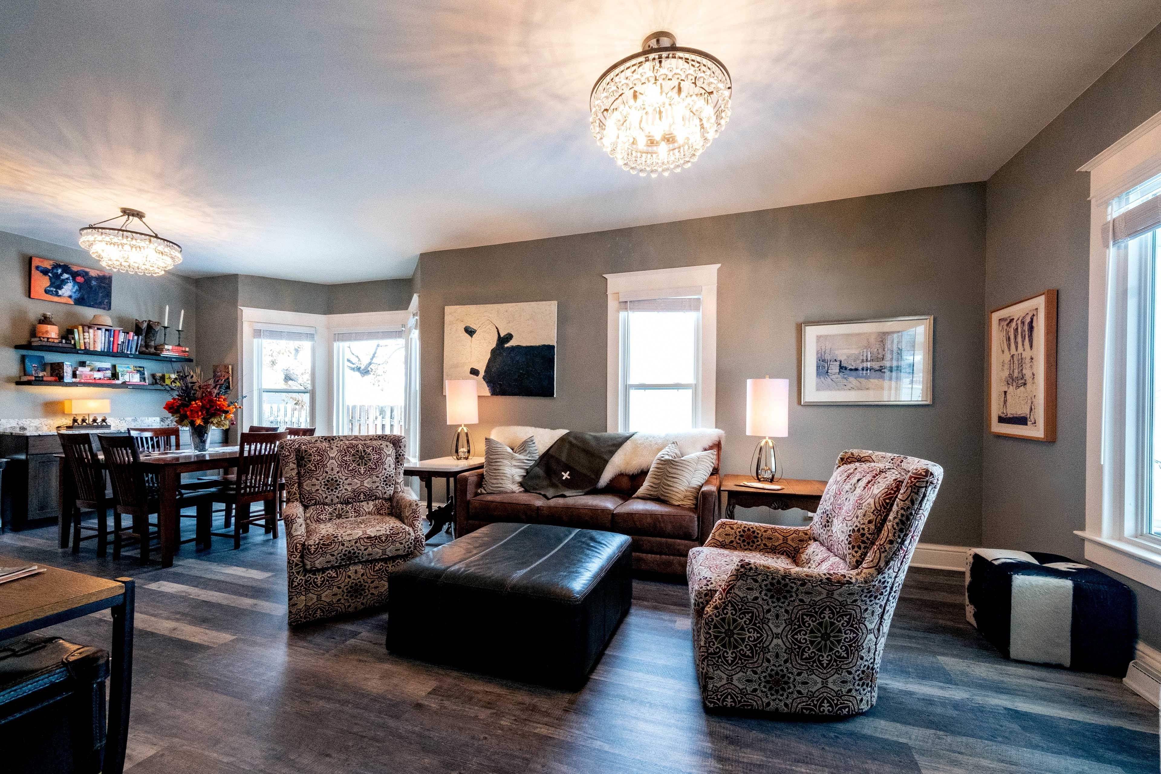 Living Room | Recently Remodeled | Smart TV