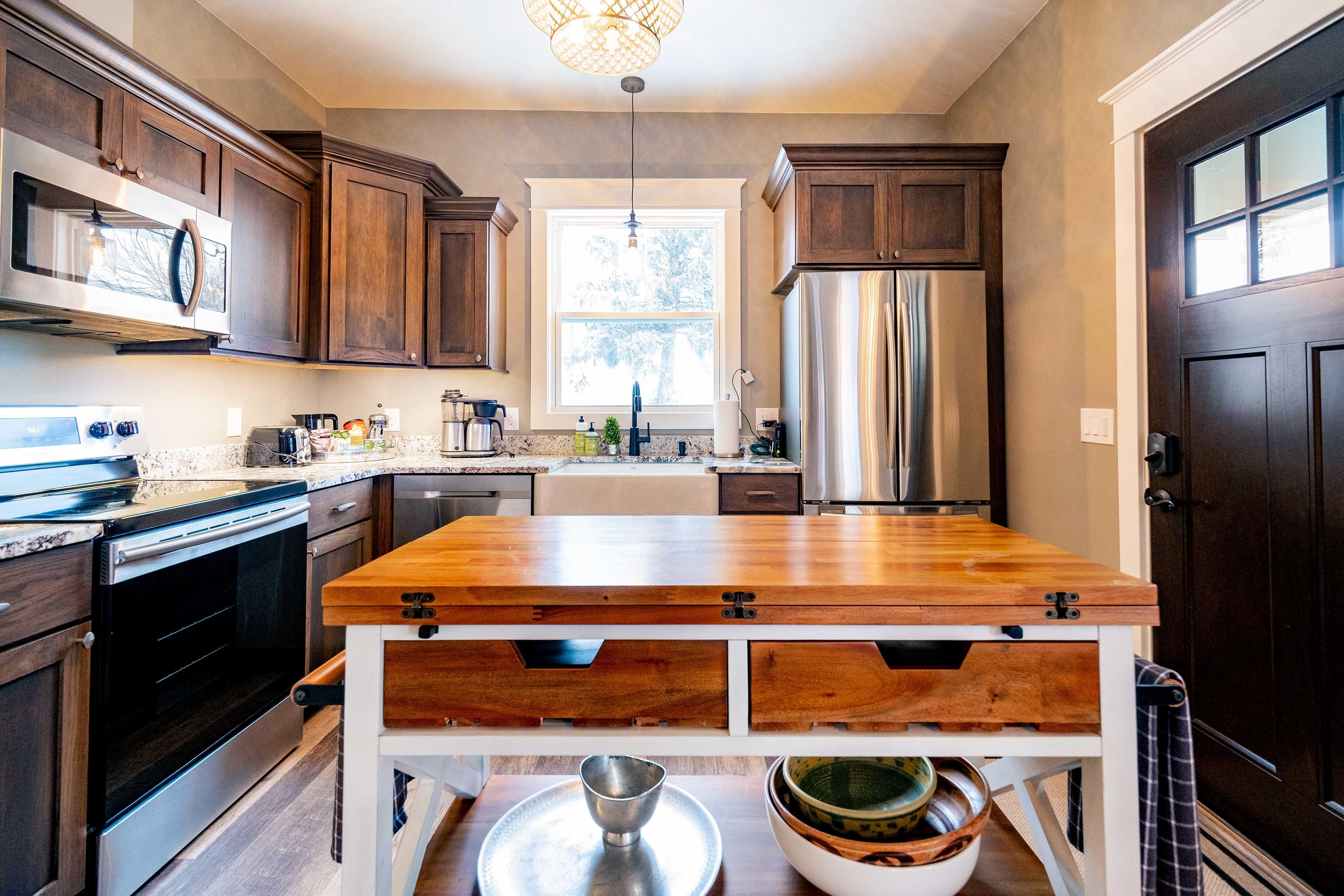 Kitchen | Dishware & Glassware