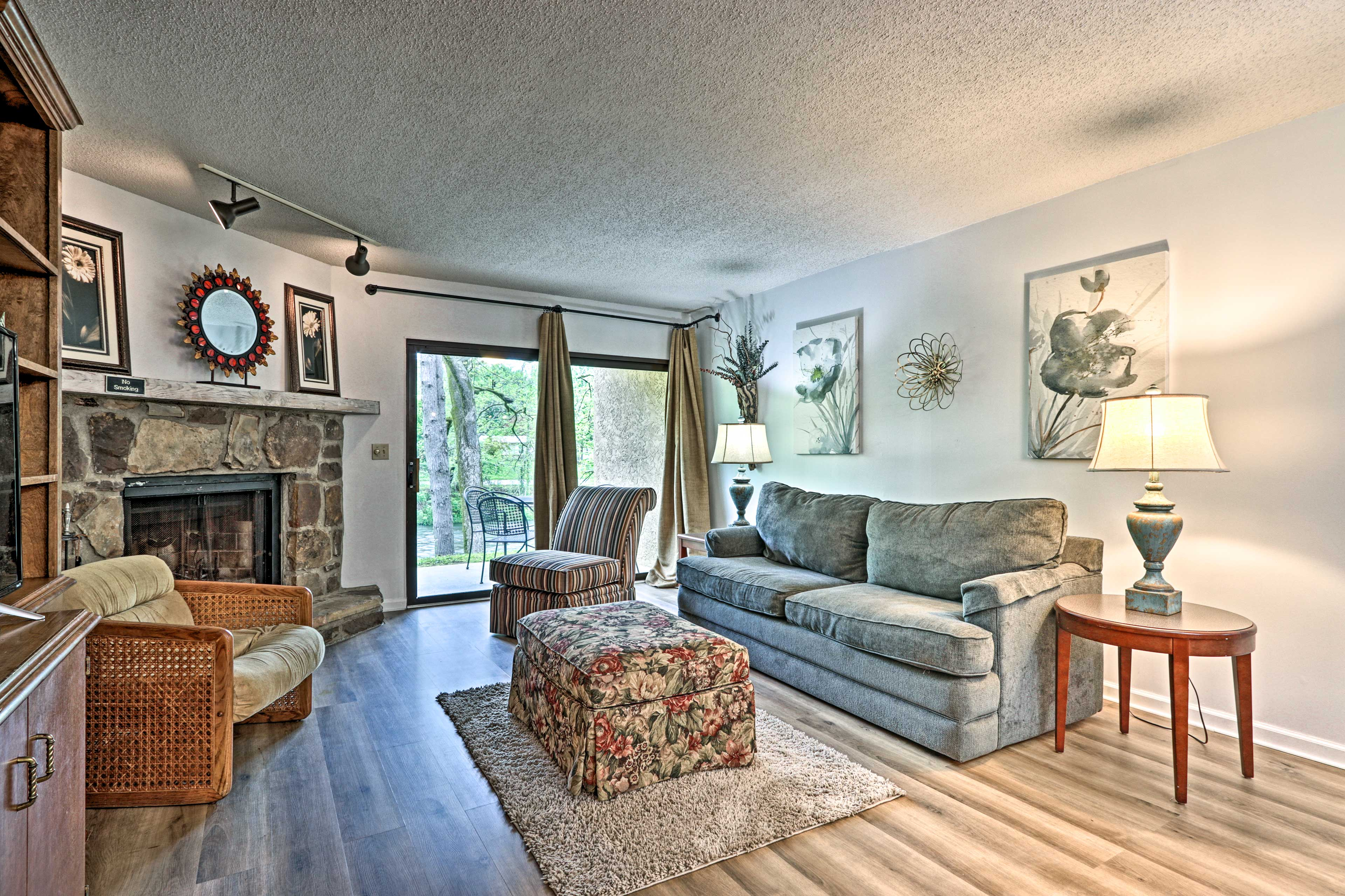 Townsend Vacation Rental Condo   2BR   2BA   1,200 Sq Ft   Step-Free Access
