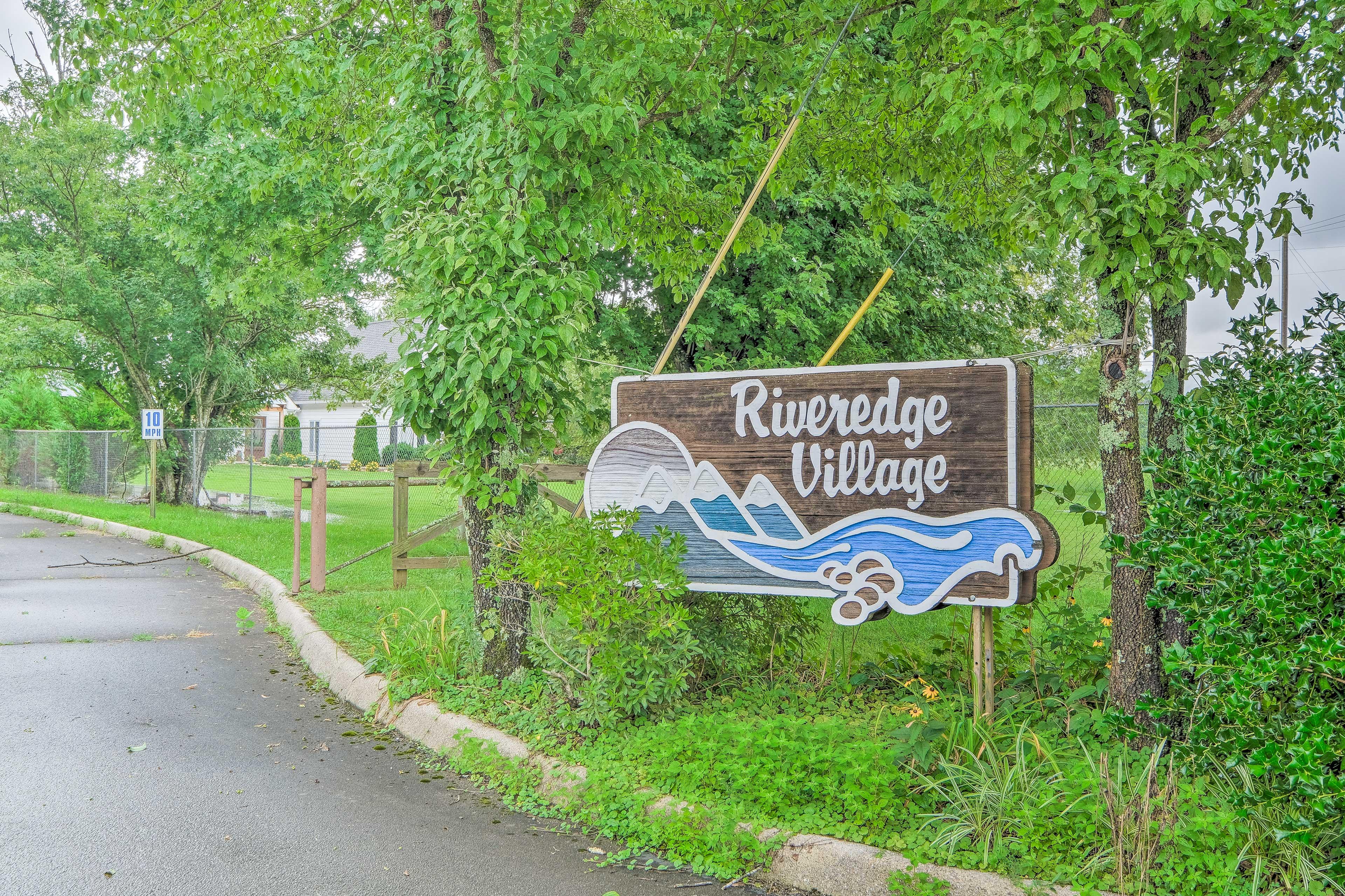 Riveredge Village Complex