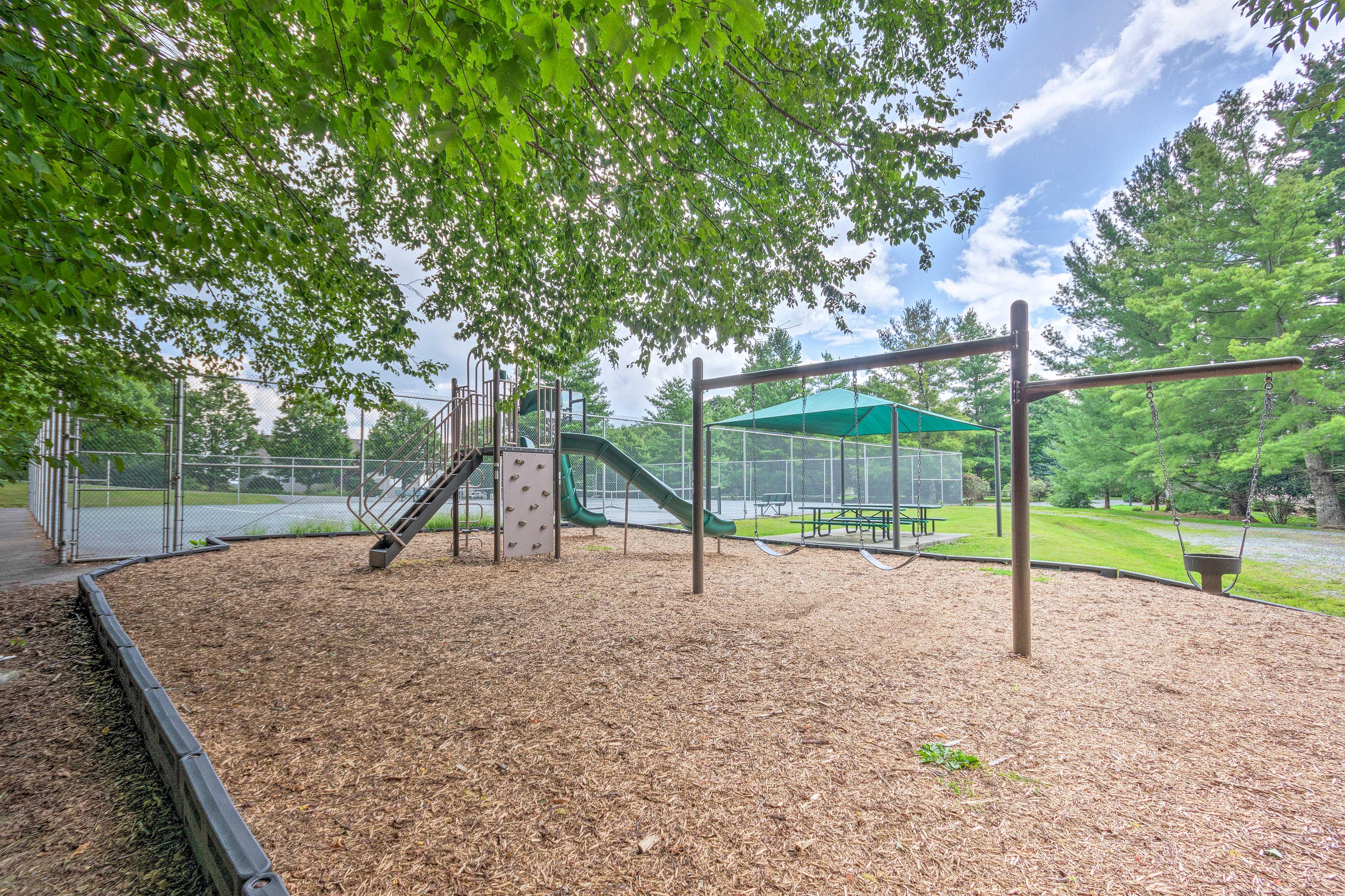 Hawks Peak South Community   Playground