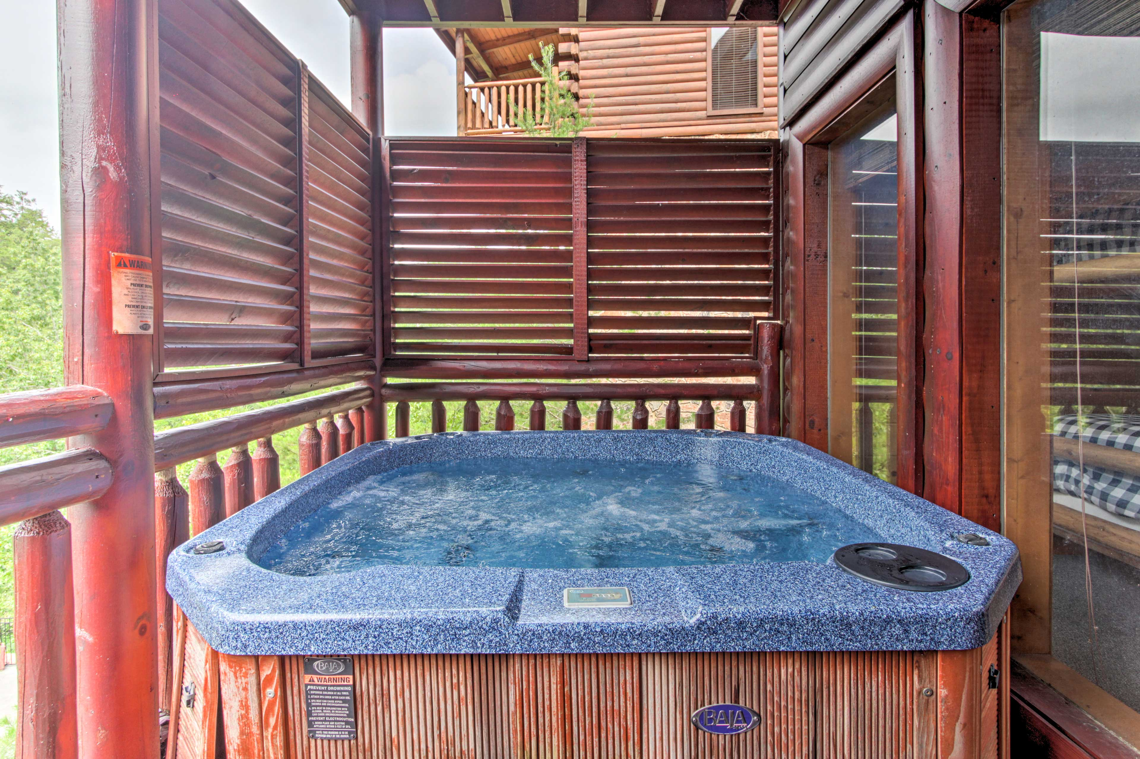 The private hot tub will make you feel relaxed and at peace.