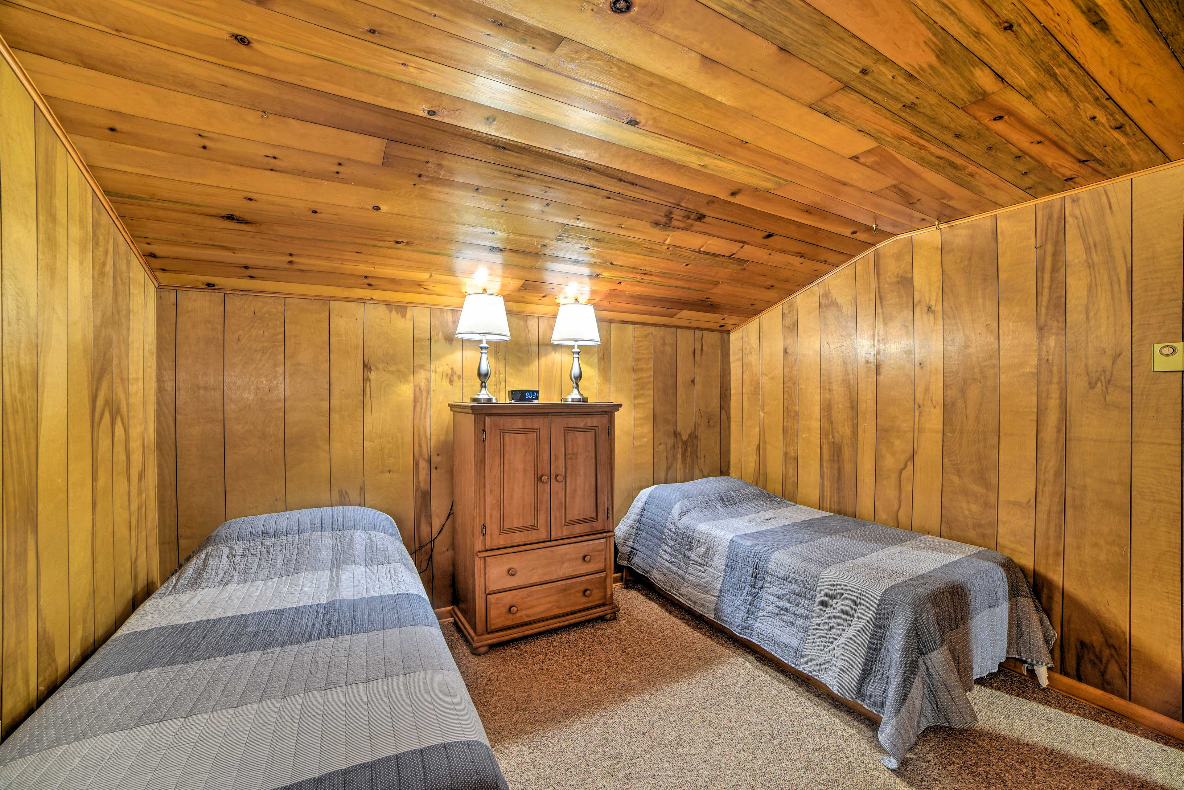 Take your pick of 2 twin-sized beds in bedroom 3.