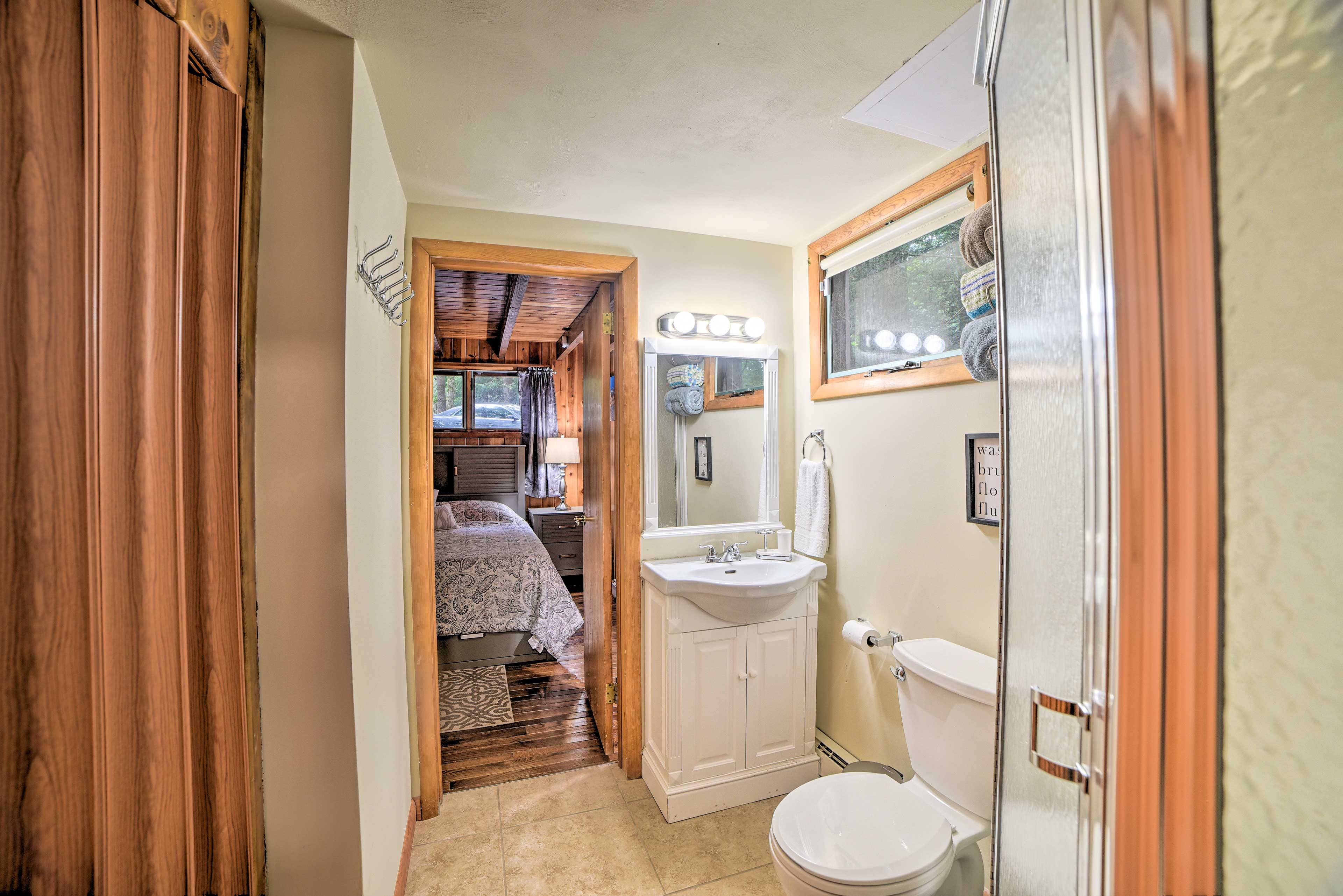 Connect right to the first bedroom from this bathroom.