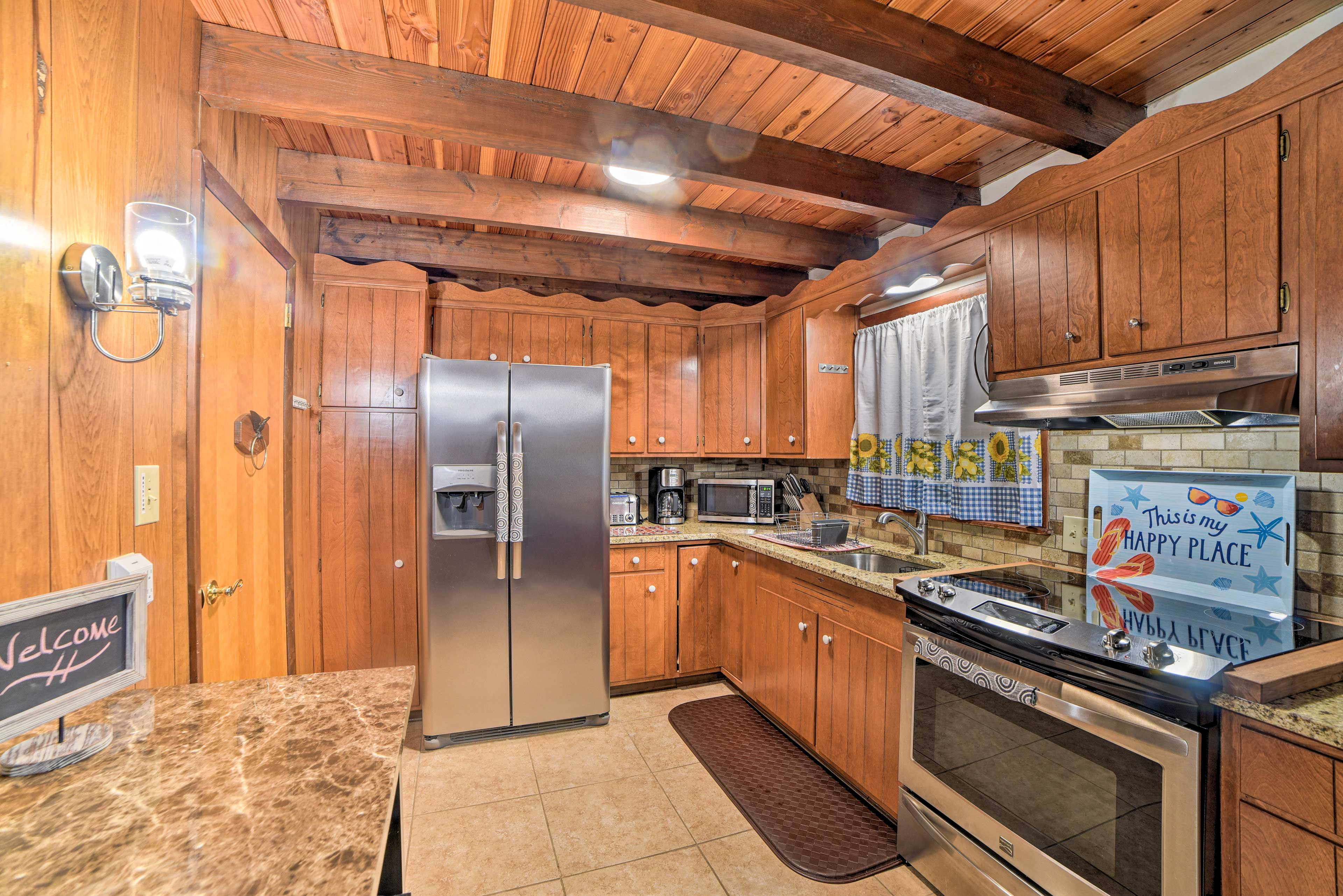 Make meals easily in this well-equipped kitchen.