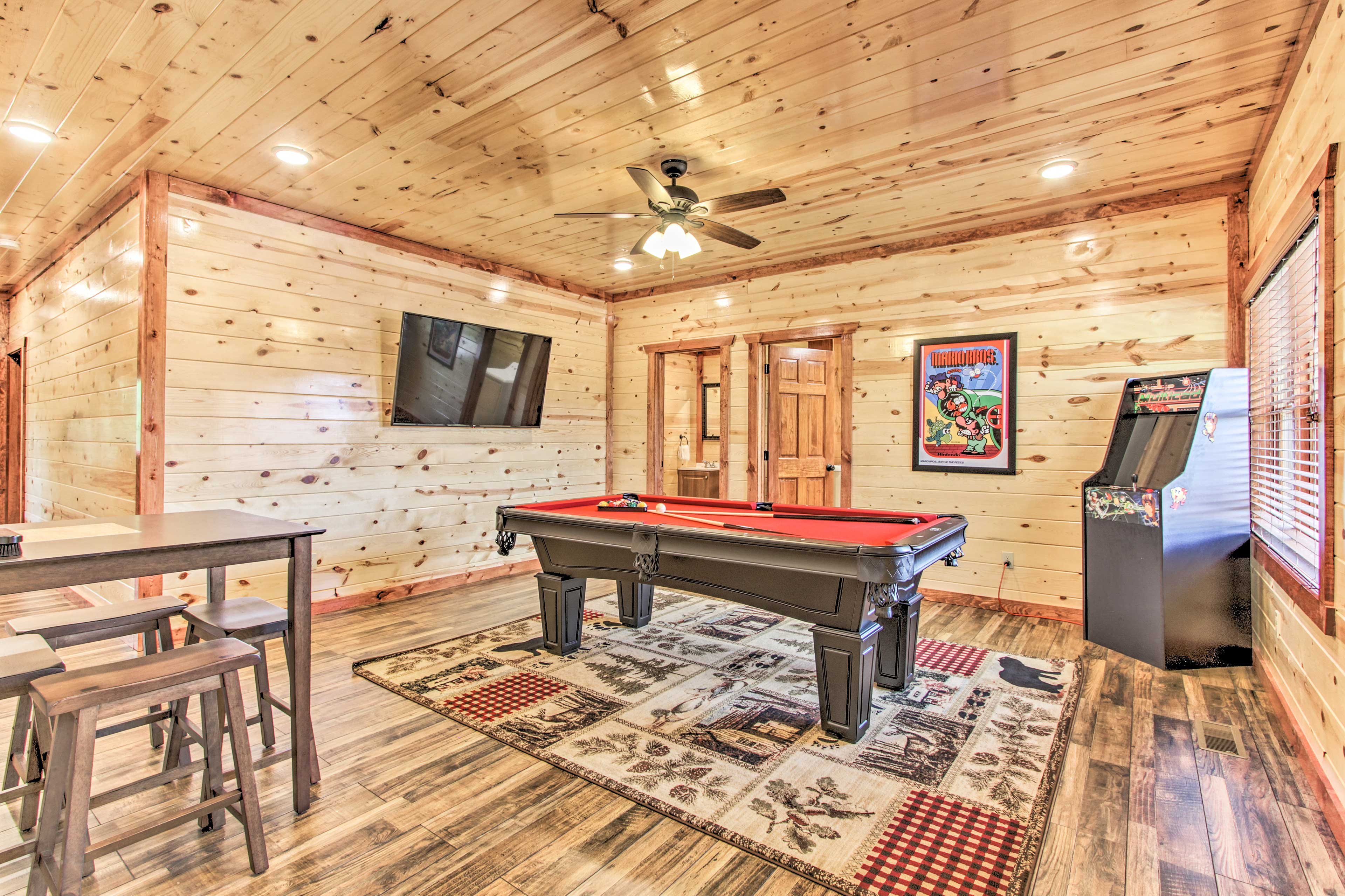 Game Room | Smart TV | Pool Table