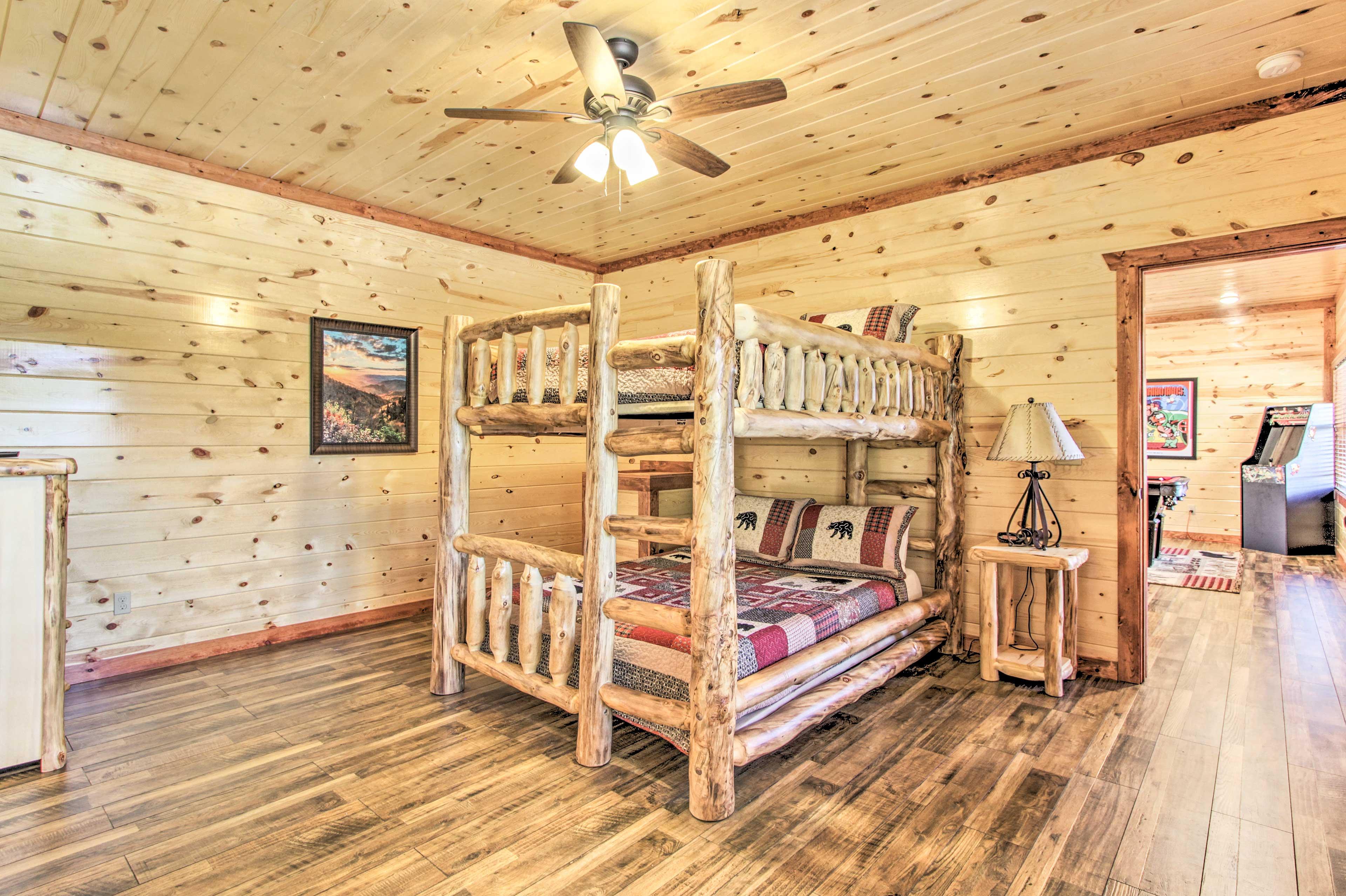 Bedroom 6 | Queen Bunk Bed