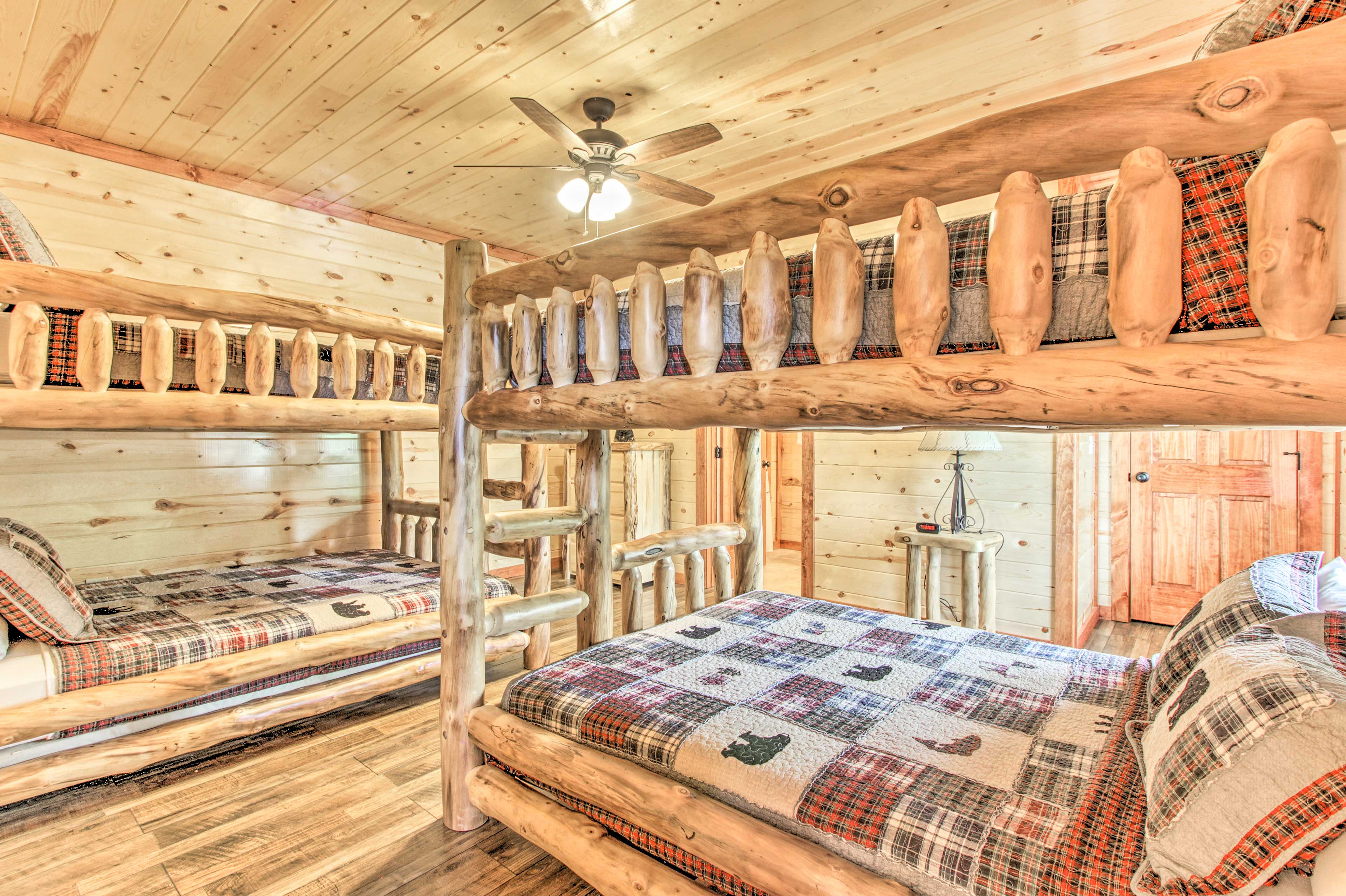 Bedroom 5 | 2 Queen Bunk Beds
