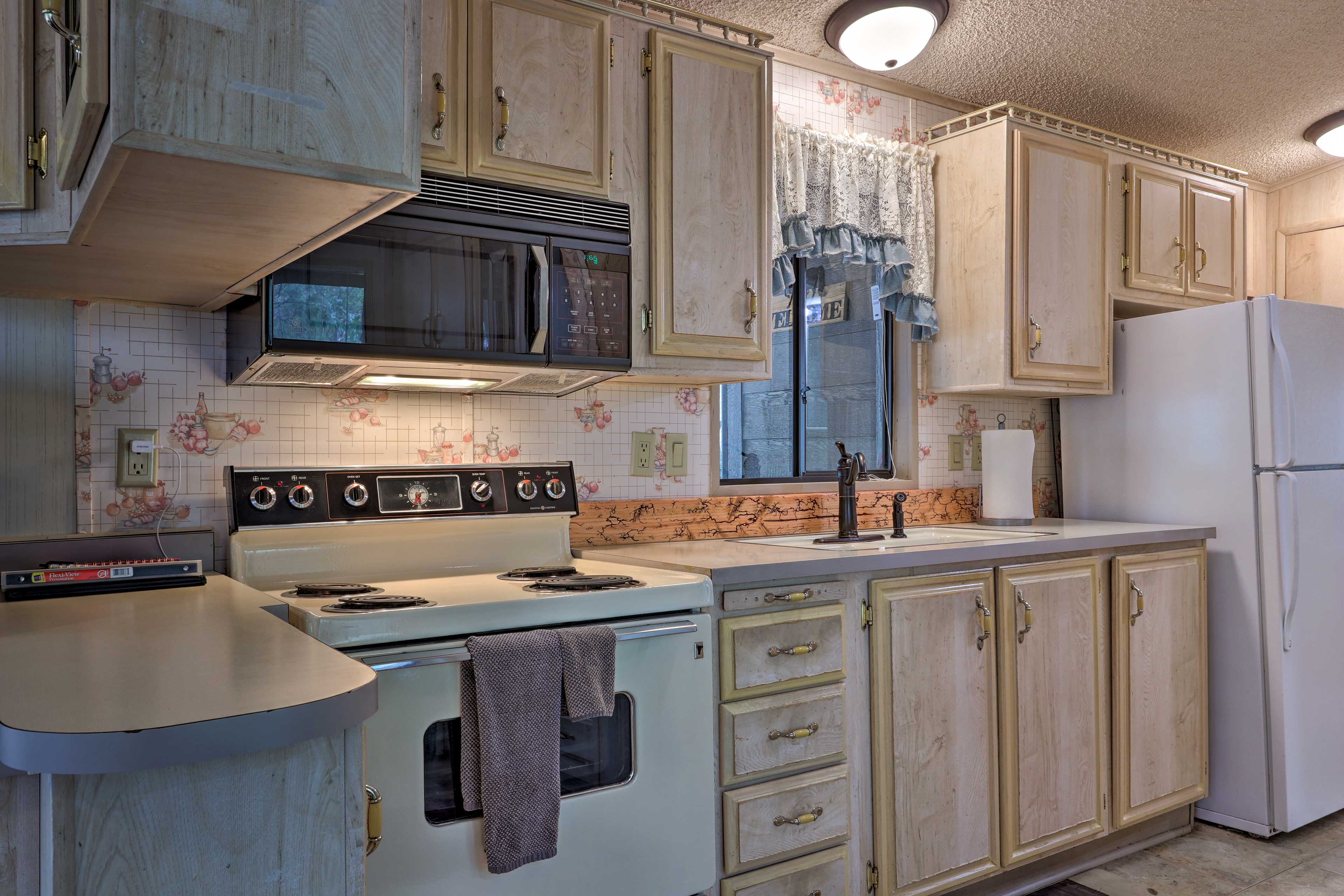 Hungry? Whip up a meal in the fully equipped kitchen.