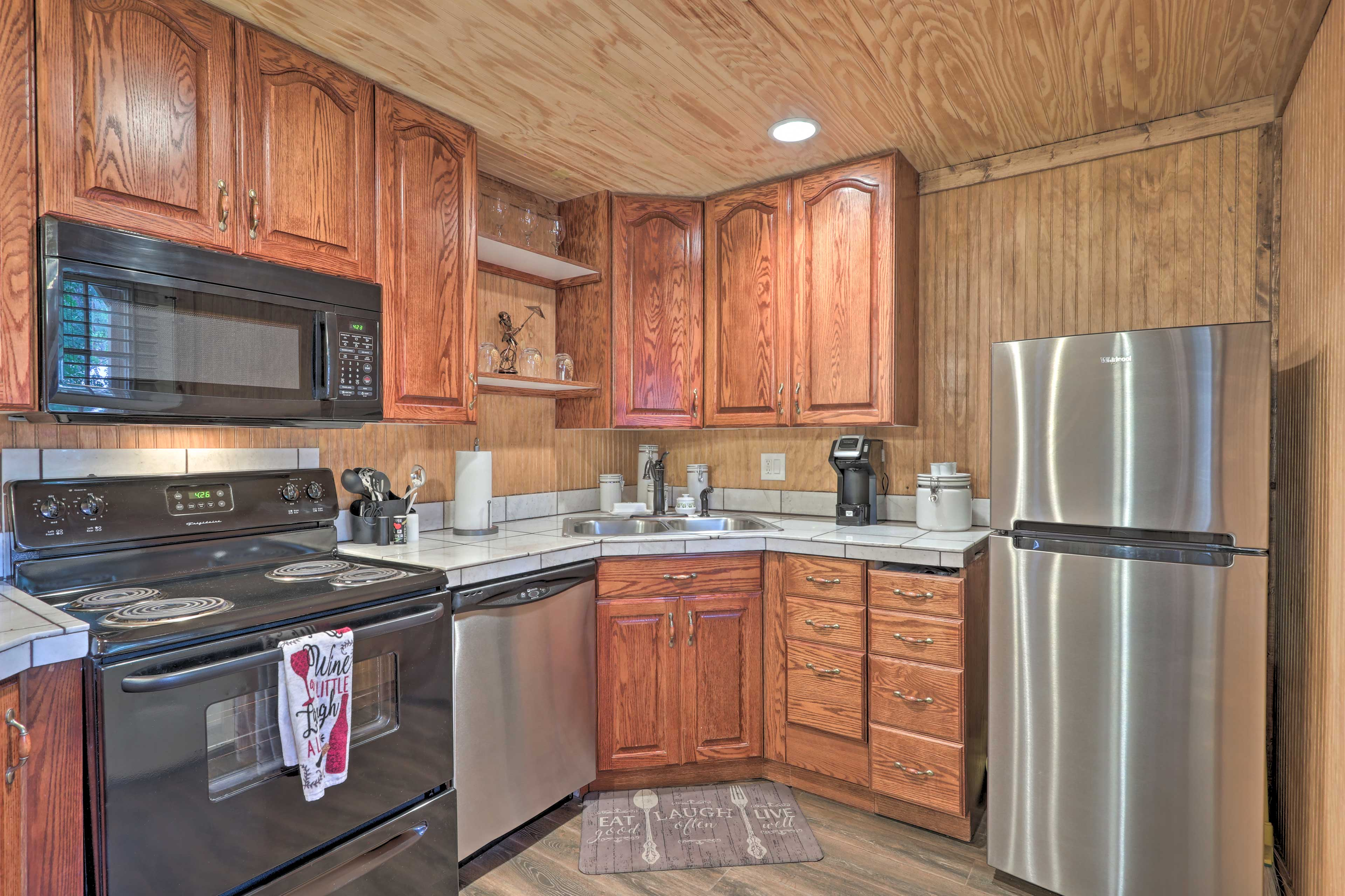 The fully equipped kitchen promises a seamless cooking experience!