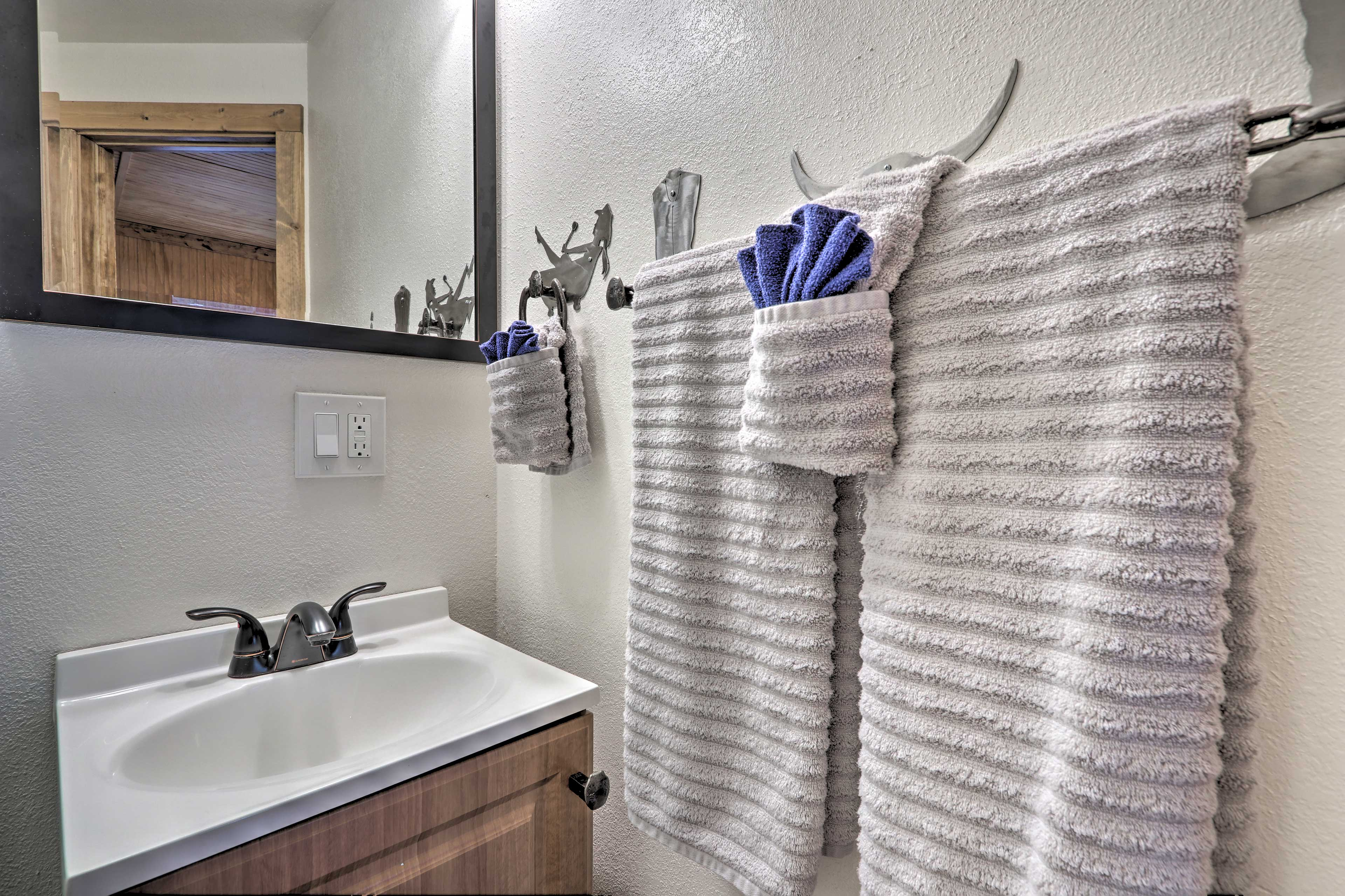 Towels and linens are provided.