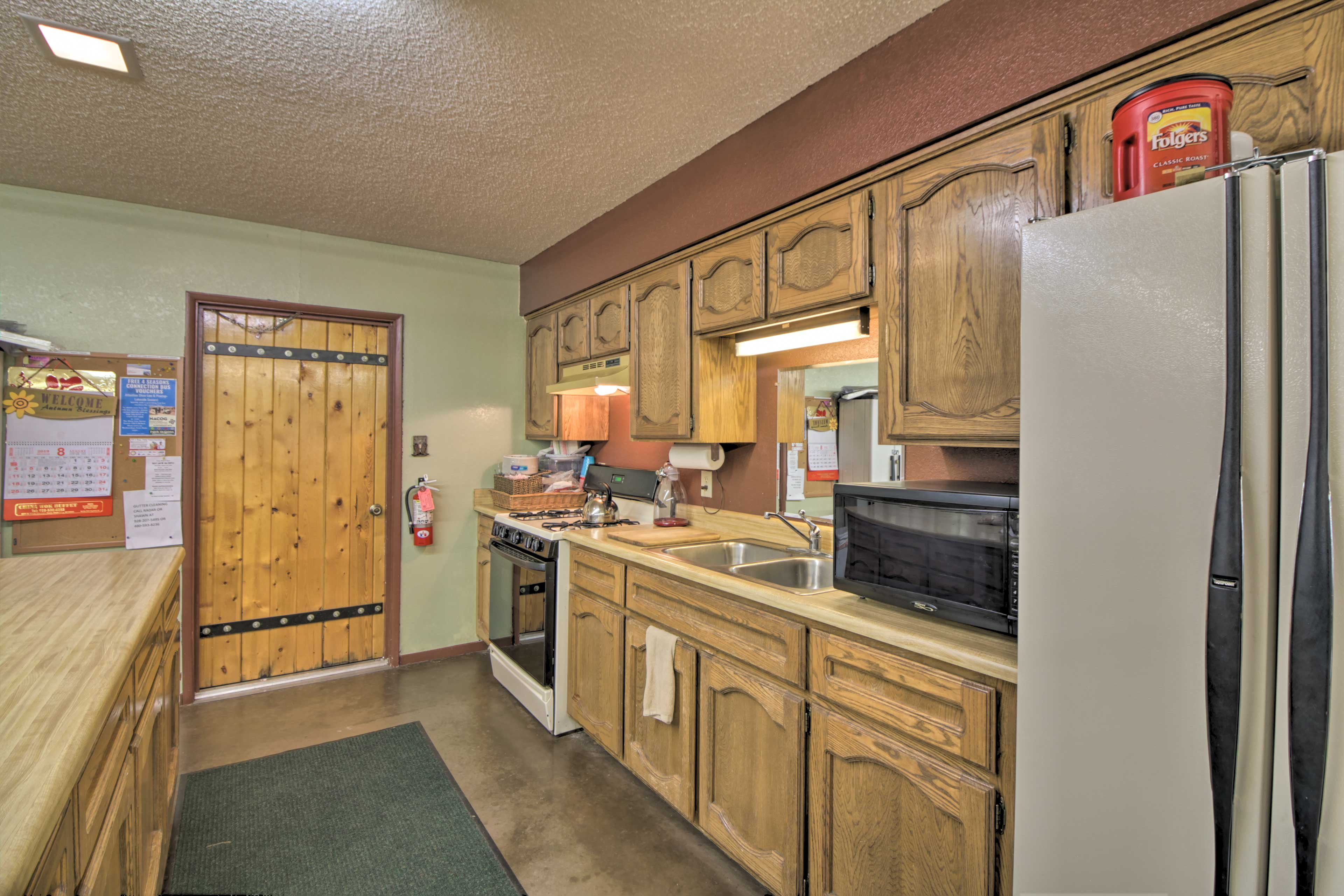 There's a fully equipped kitchen in the clubhouse.