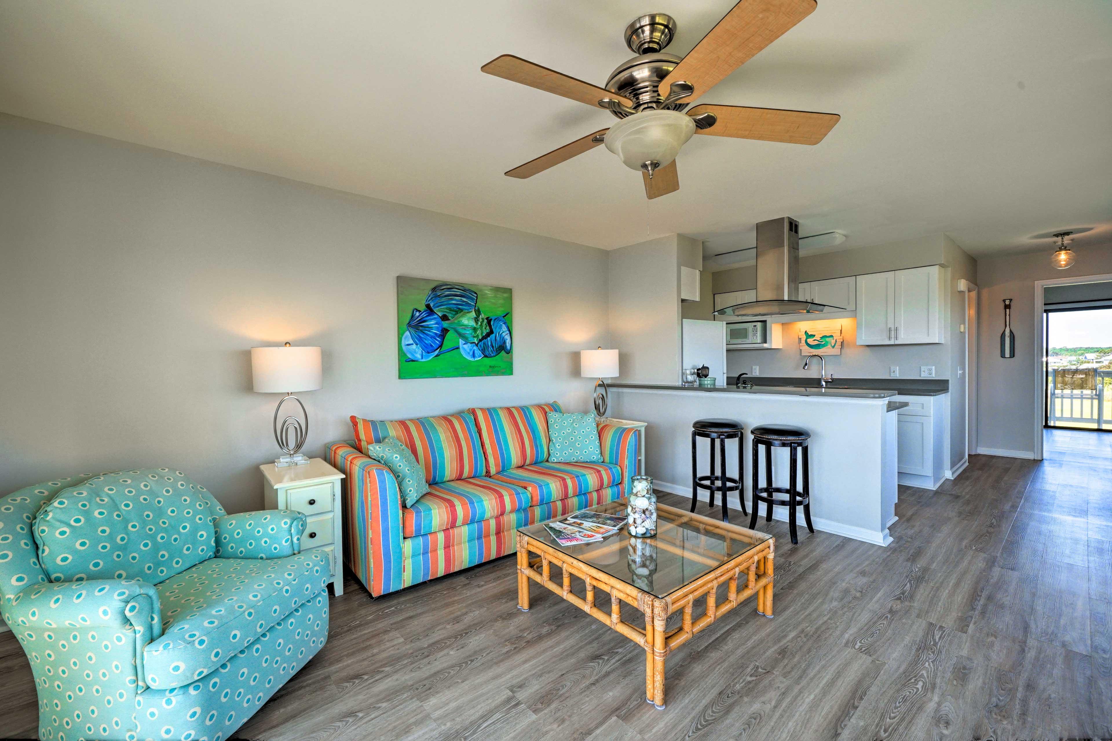 Enjoy a comfortable stay in Carolina Beach at this 1-bedroom, 1-bath condo!