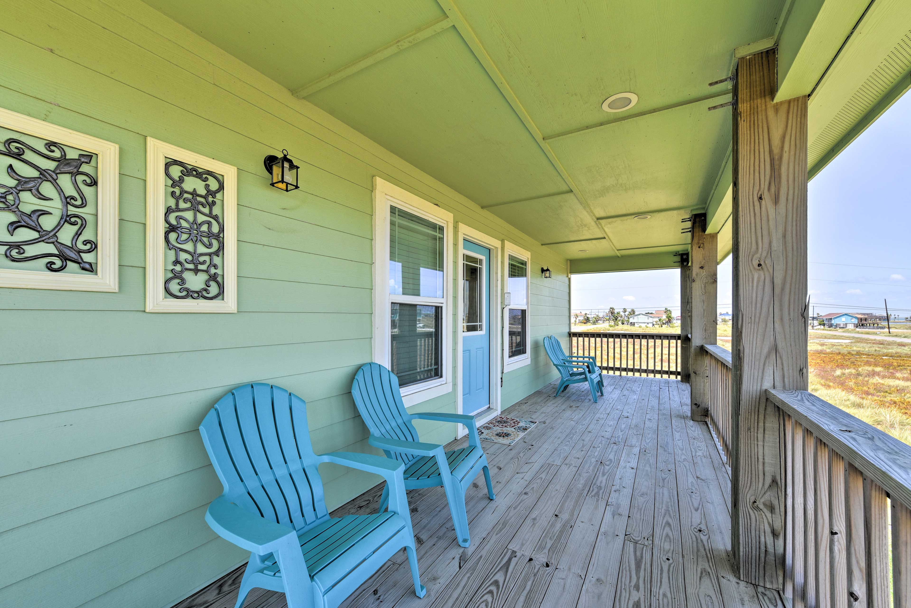 With no neighbors on either side of the house, you'll enjoy some privacy.