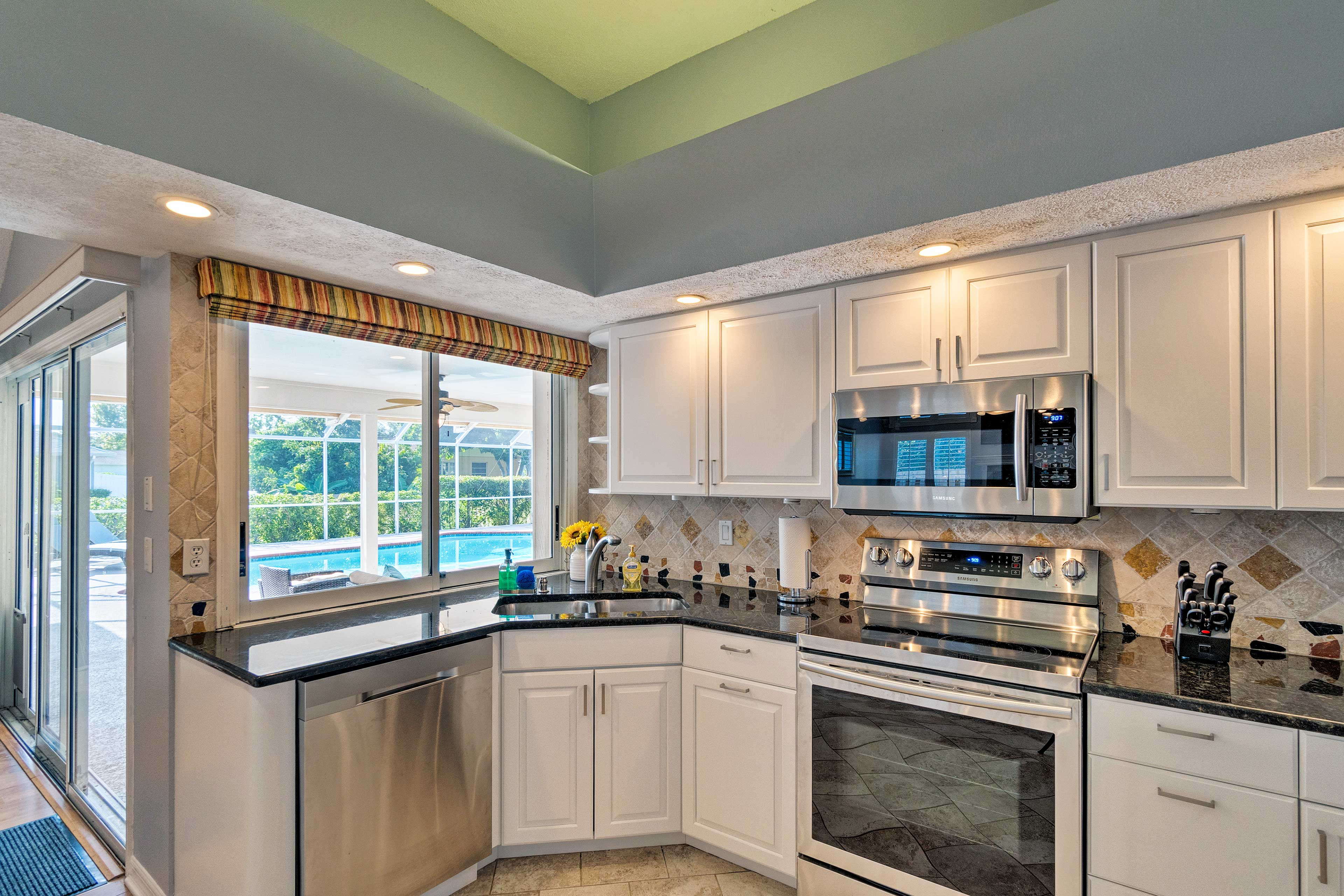 This kitchen has all of the cooking essentials of home.