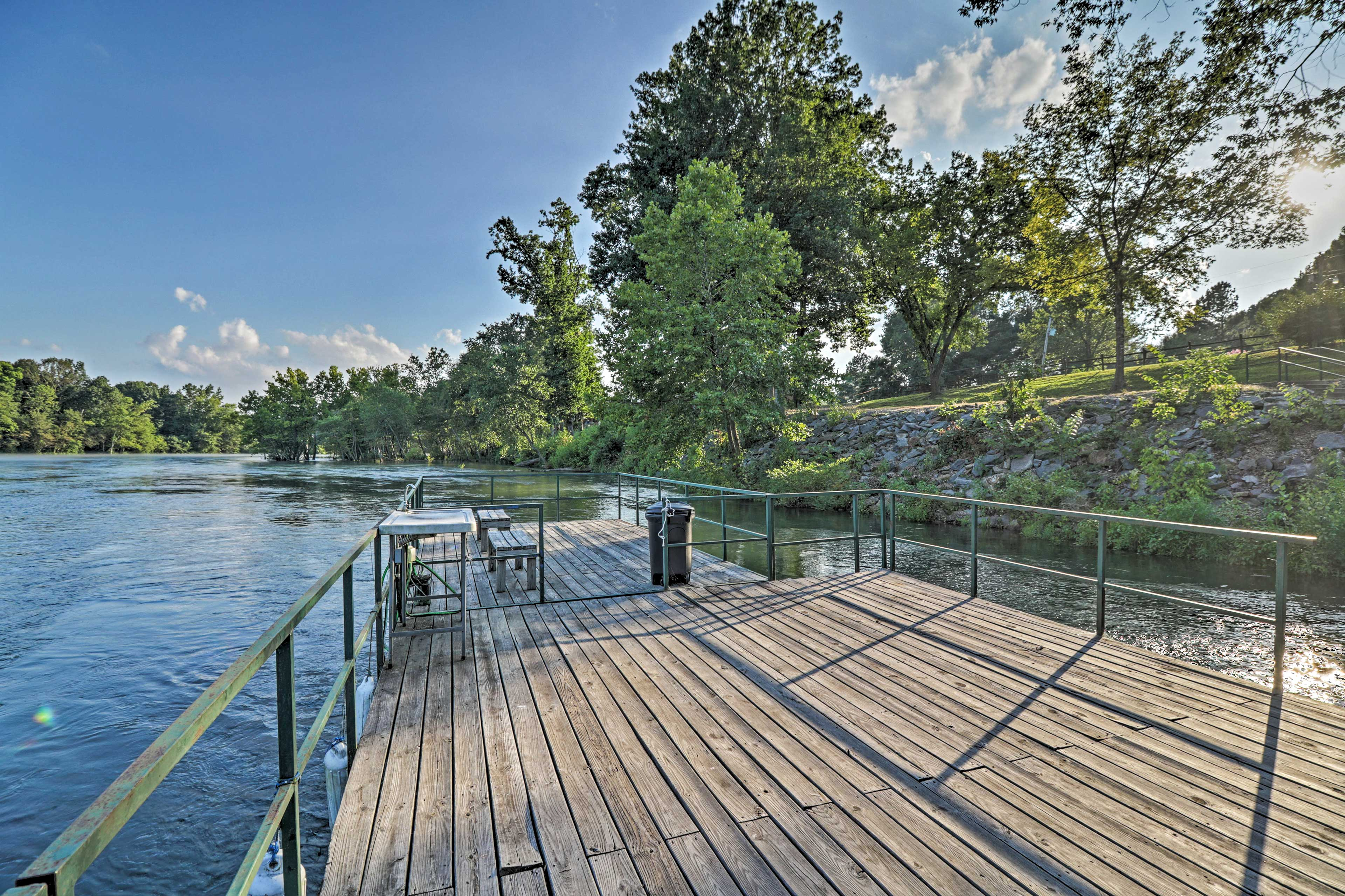 Take no more than a few stops from your back door to access the community dock.