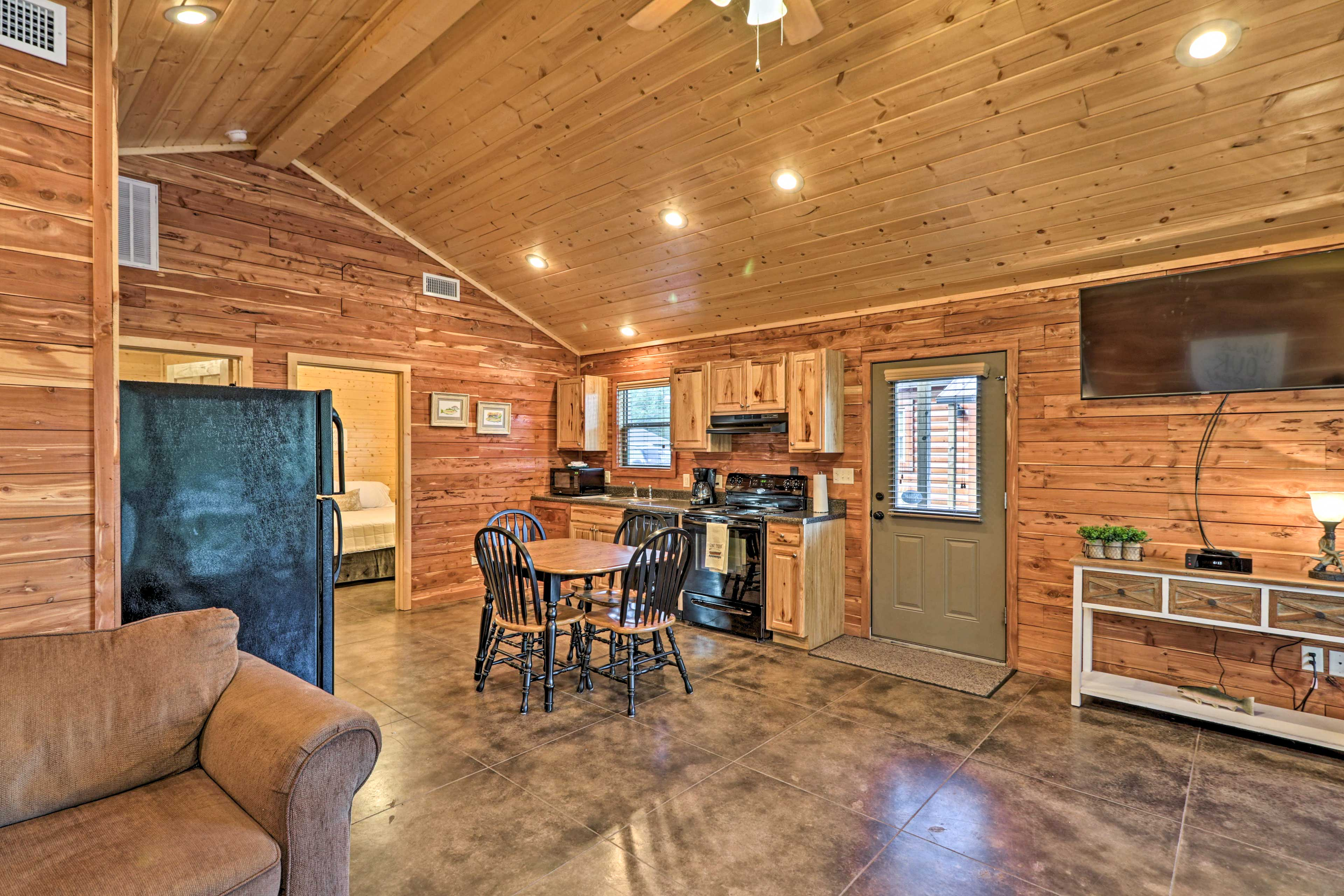 When you're not out on the water, make yourself comfortable at this cozy cabin!