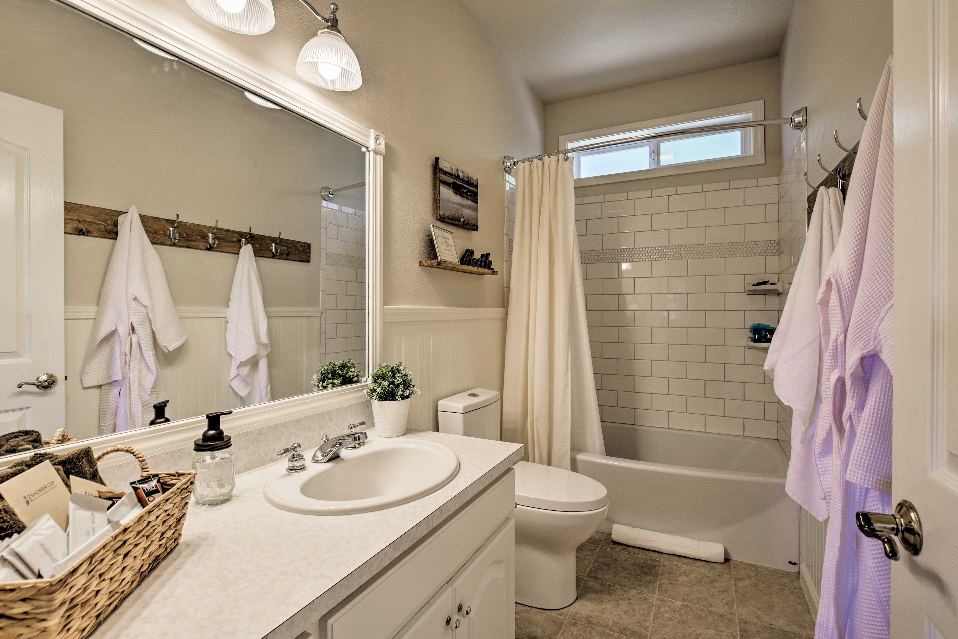 Bathroom 2 | Complimentary Toiletries