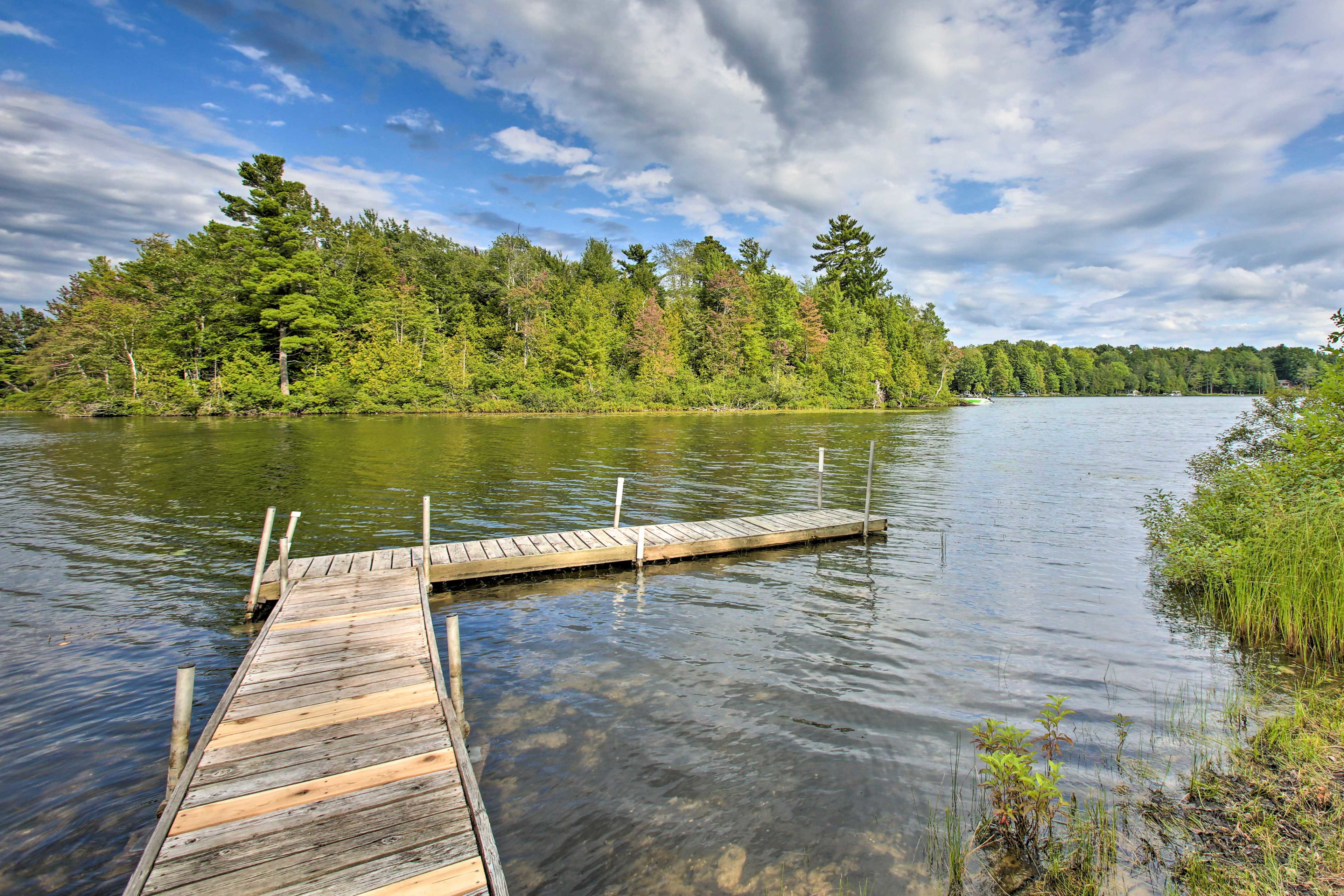 This vacation rental is situated on the shores of Bass Lake.