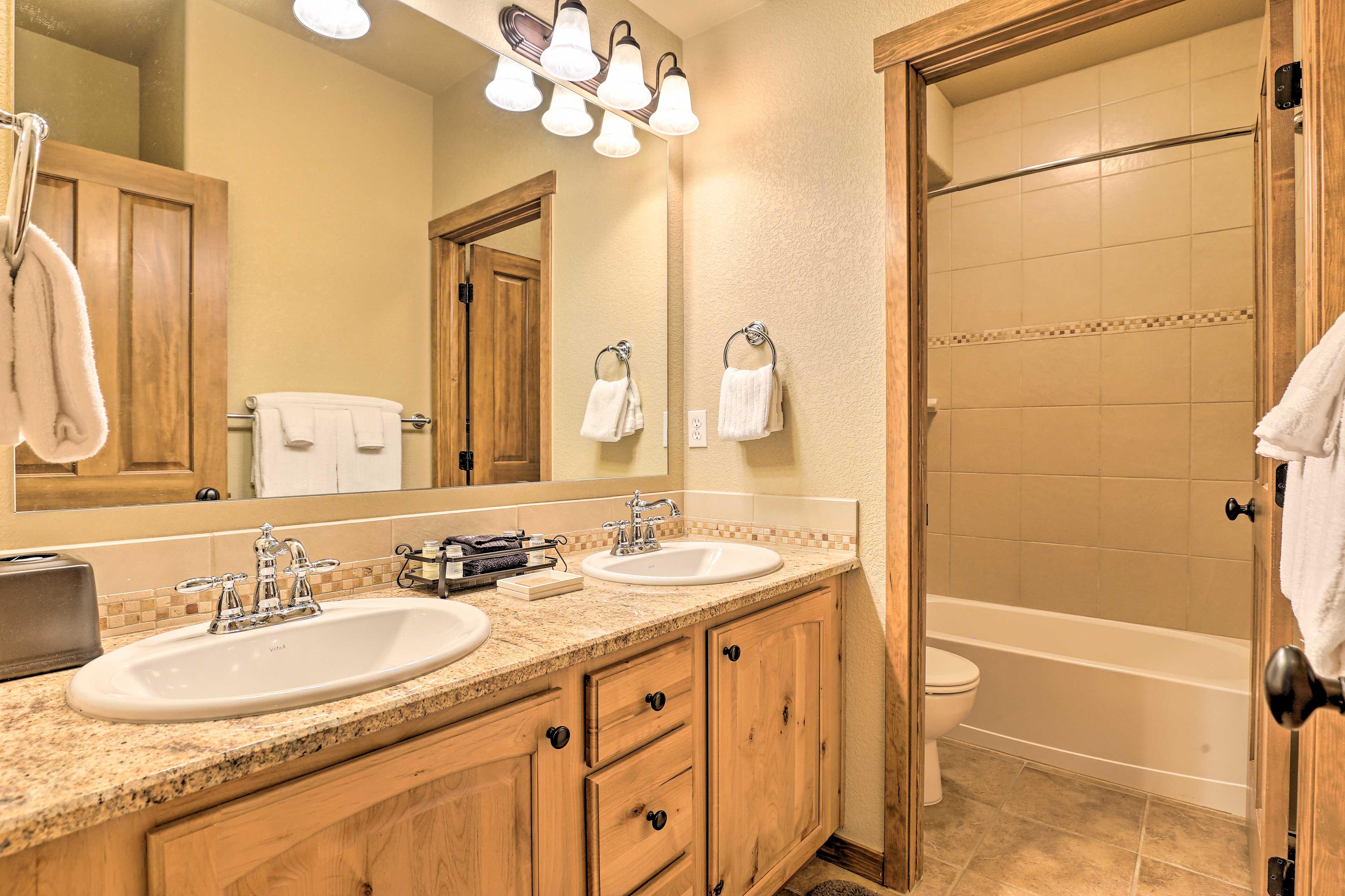 Make mornings easy with an en-suite bathroom.