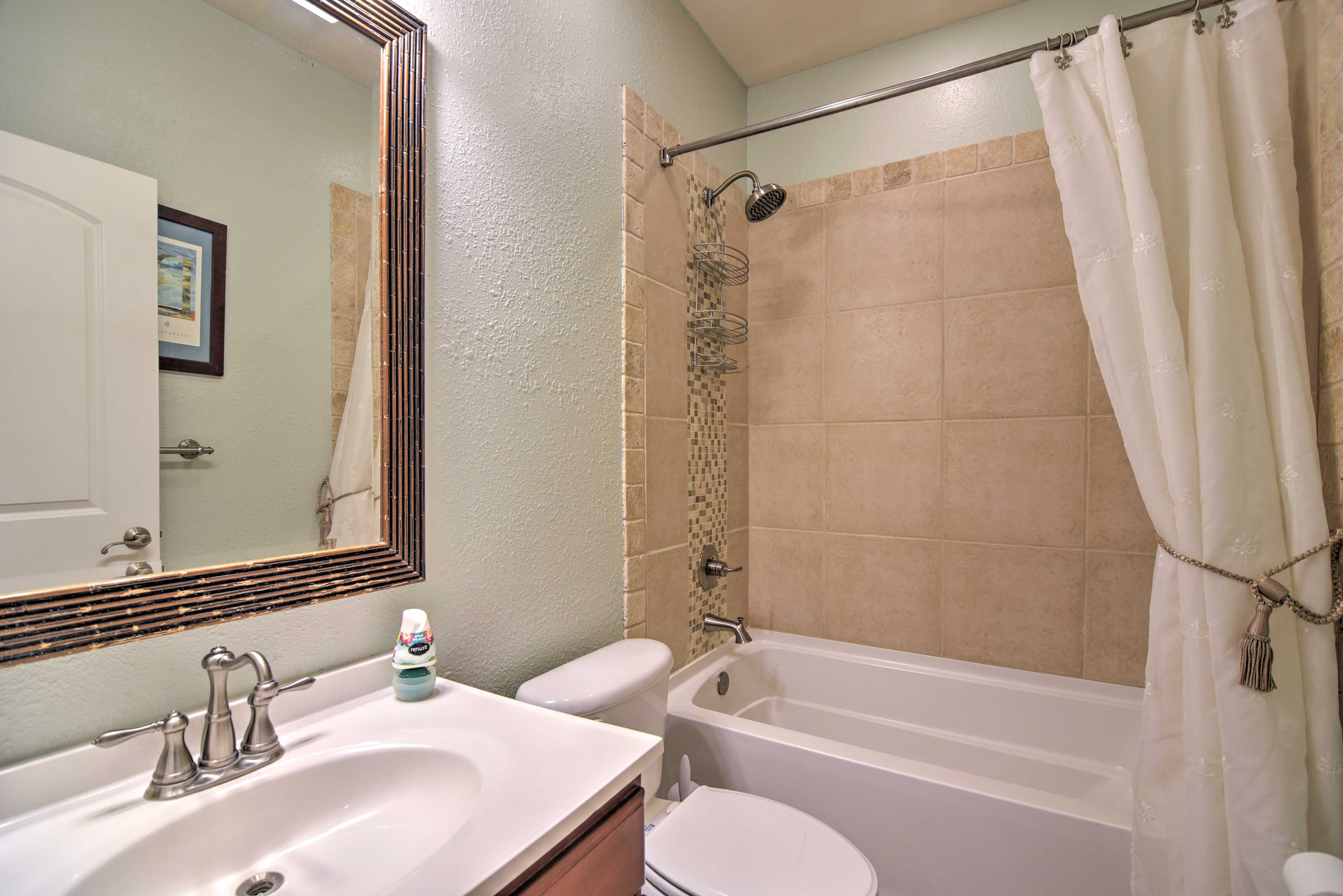 Everyone can get ready with ease with 3 full bathrooms!