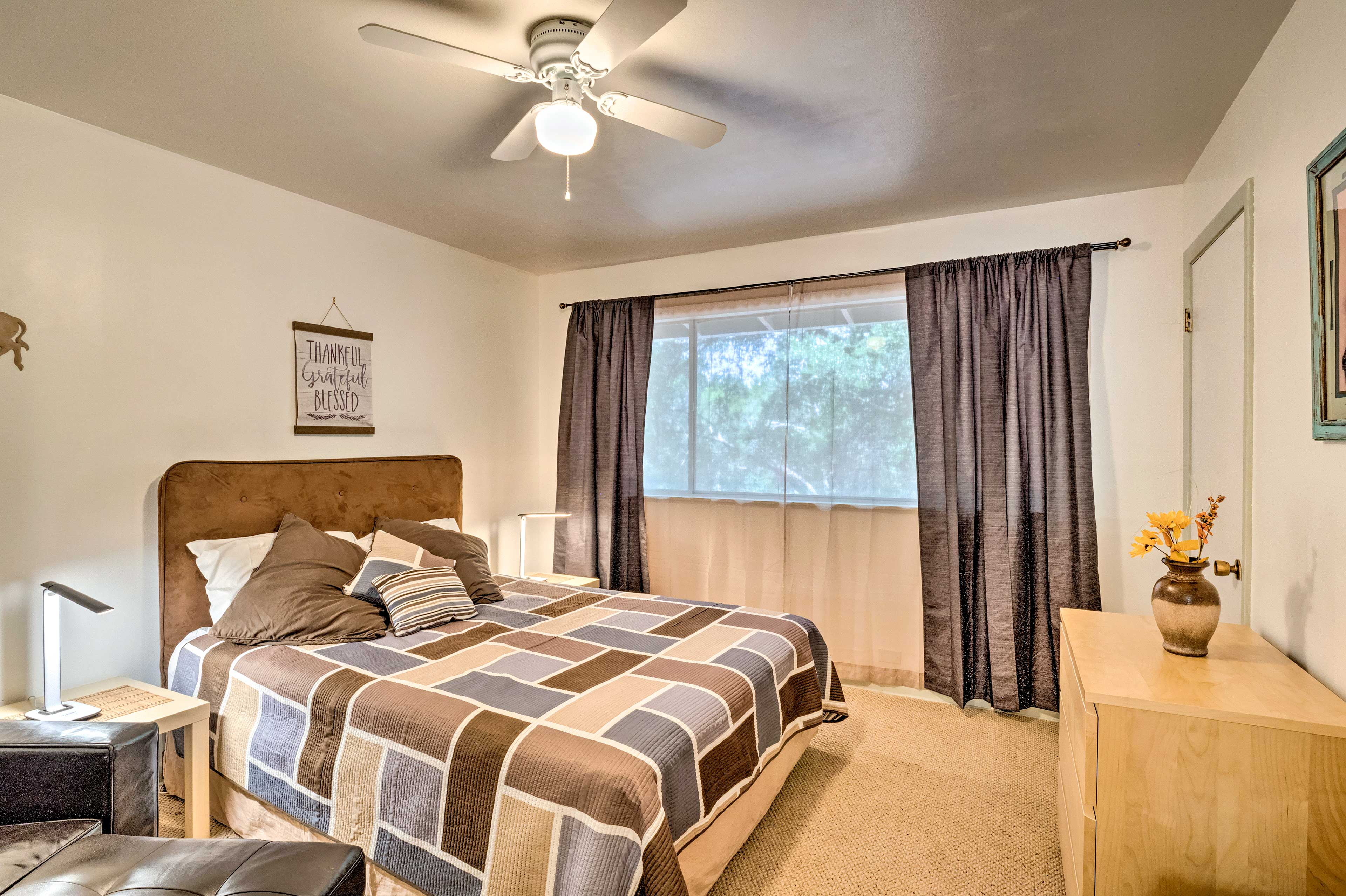 After an adventurous day, sink into the queen bed!