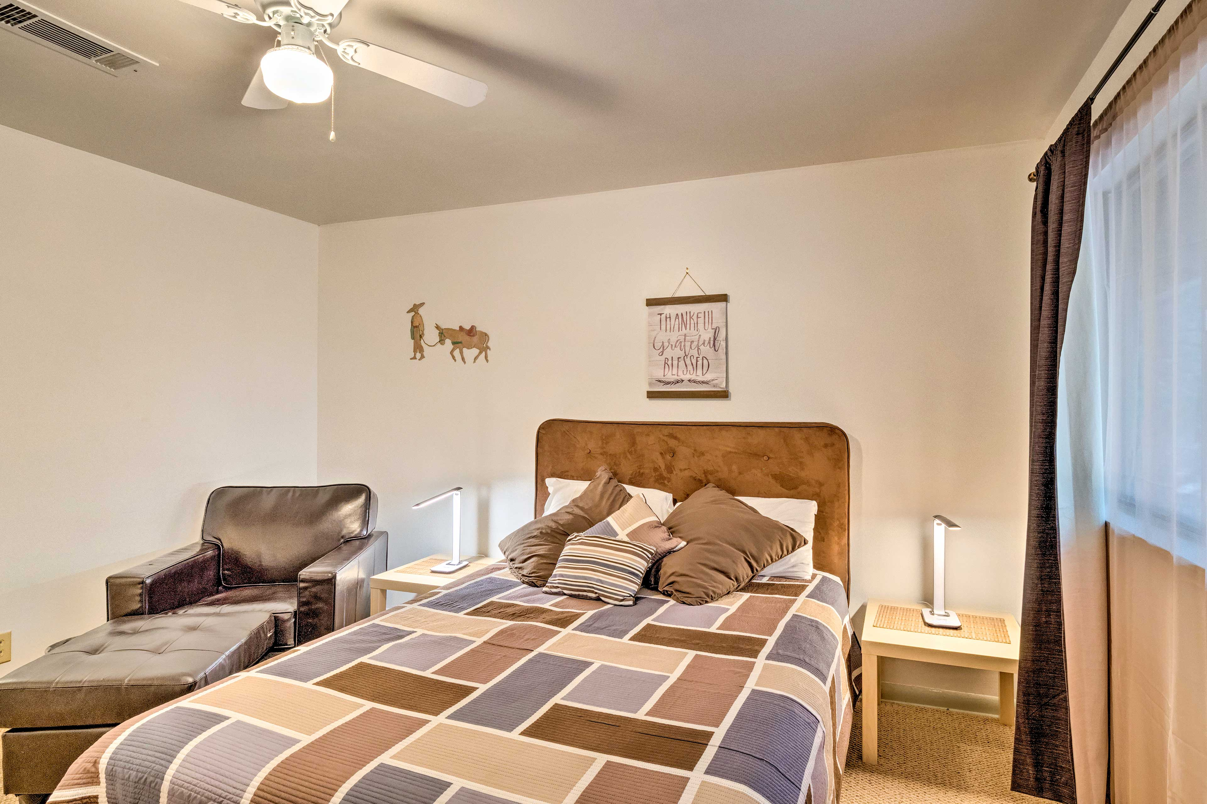 You will have everything you need in bedroom 2 to feel at peace.