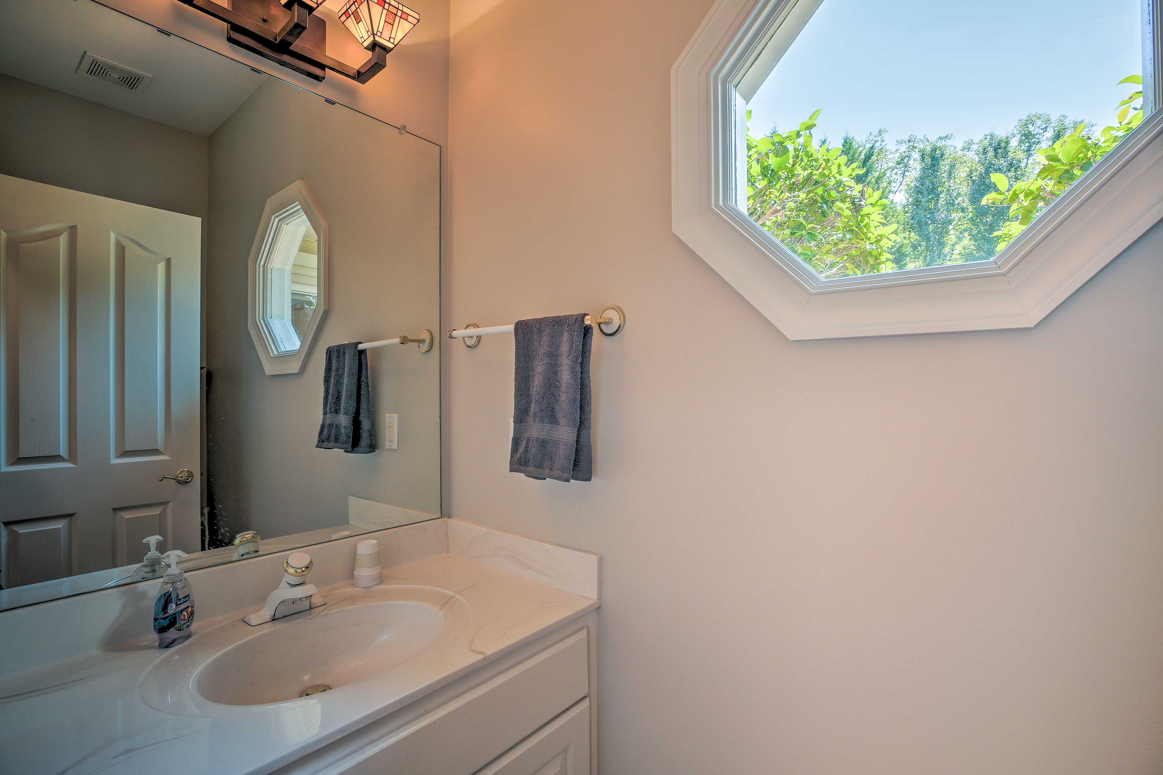 With 4.5 bathrooms in the house, guests won't have to fight over space.