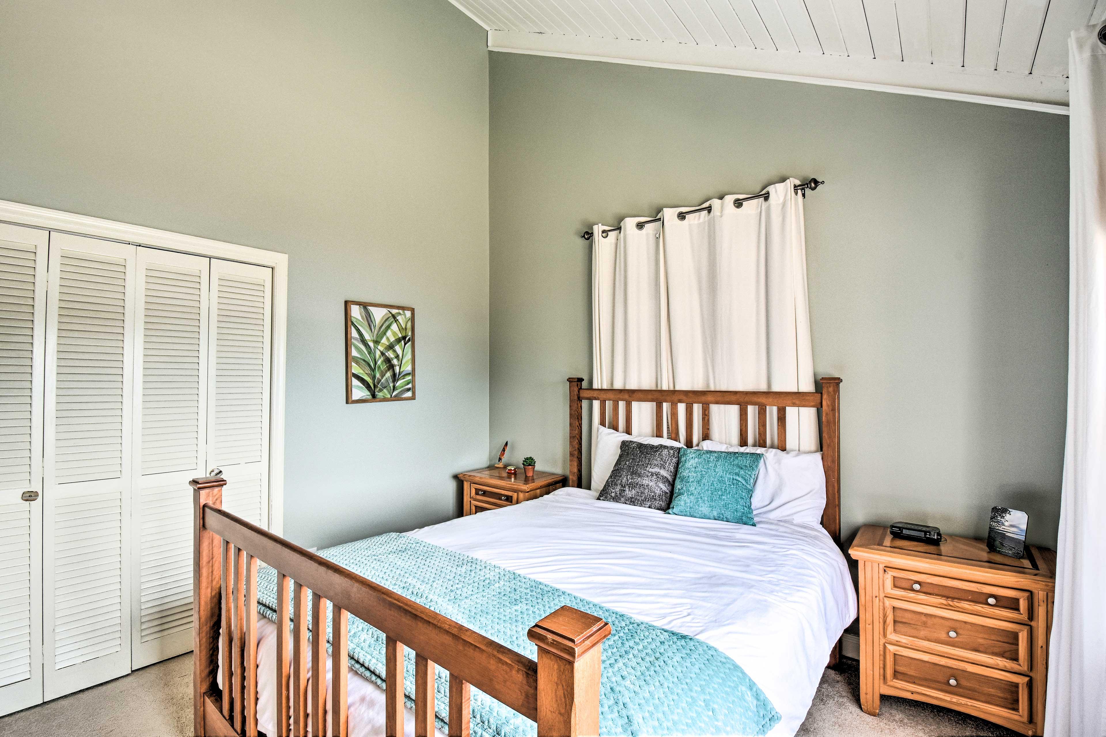 Bedroom 1 | Main Floor