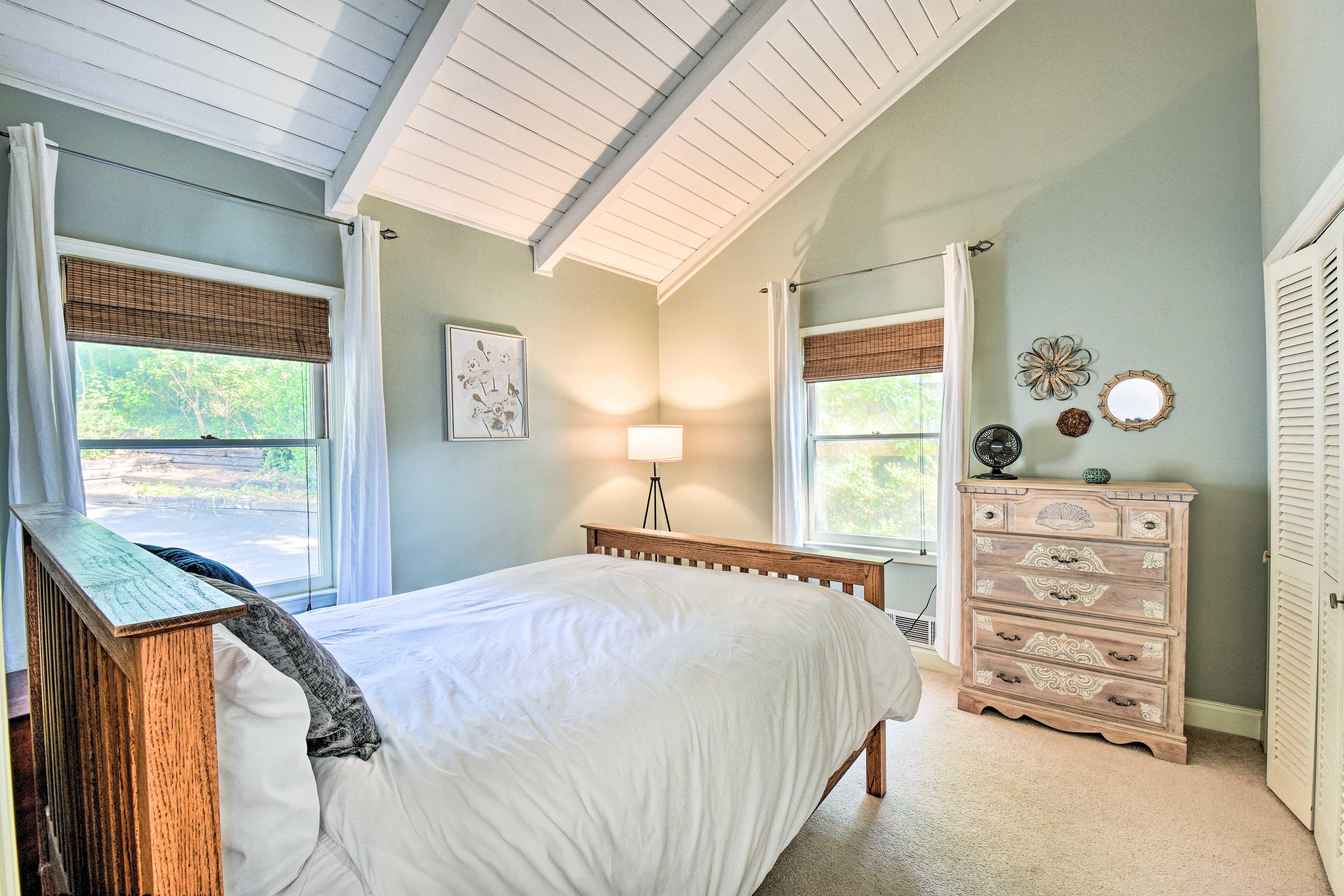 Bedroom 2 | Main Floor