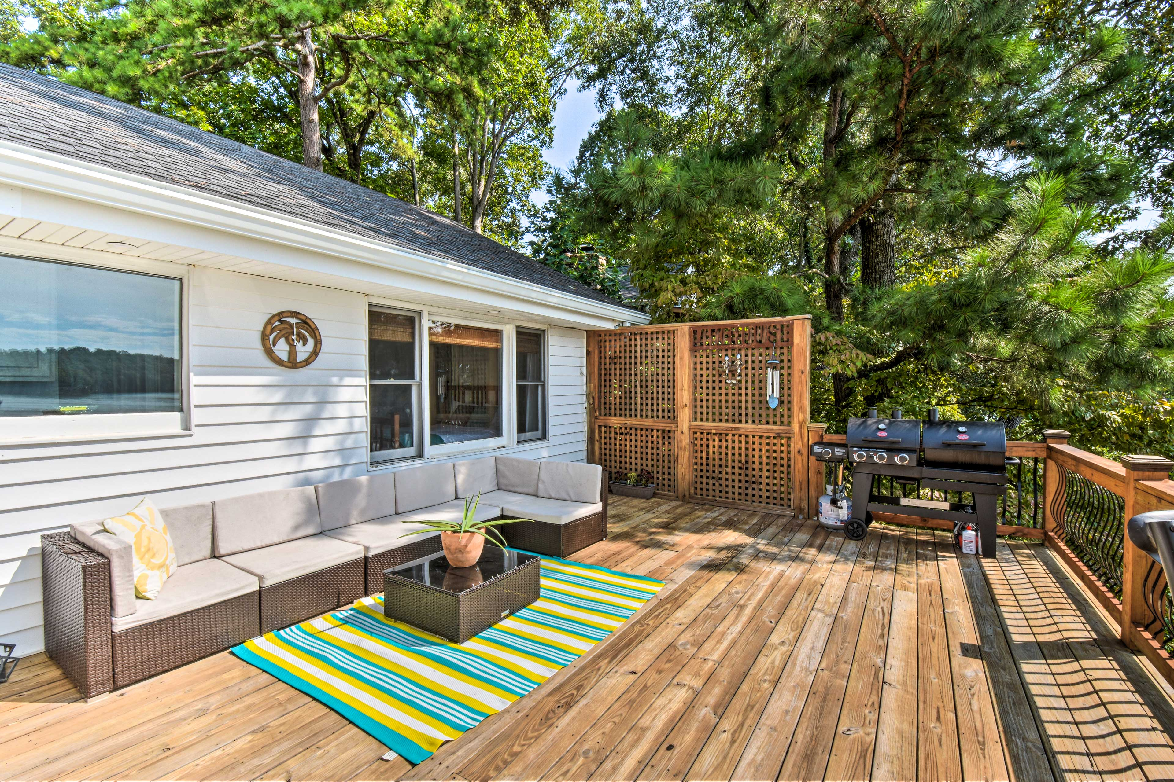 Property Exterior | Gas/Charcoal Grill