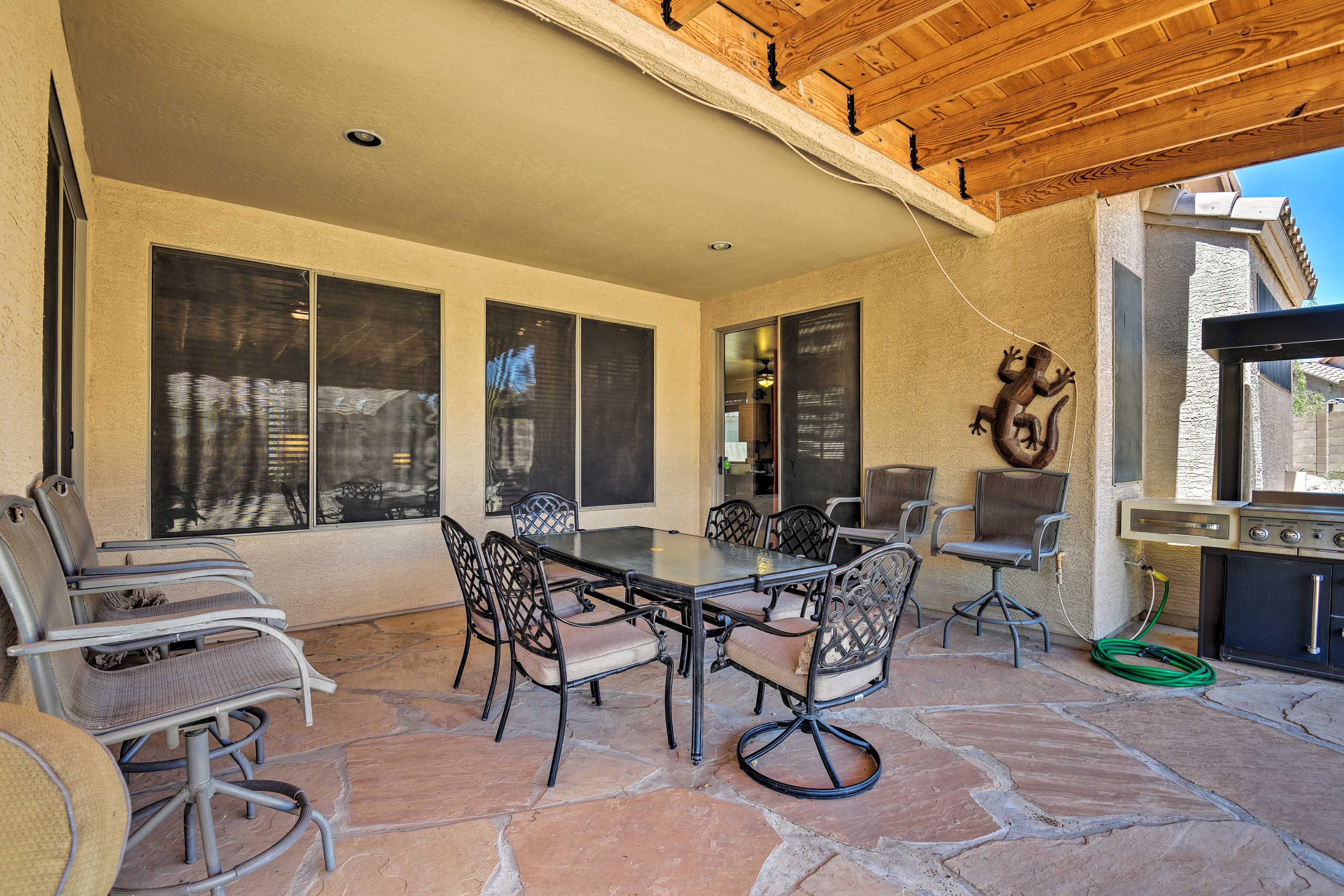 Dine al fresco on the patio and revel in the balmy Arizona air while you eat.
